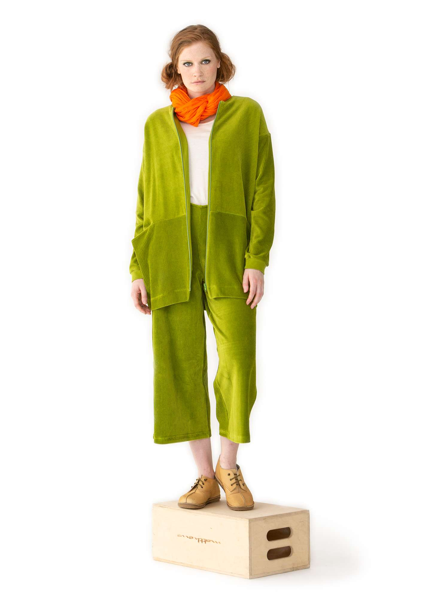 Ribbed velour trousers asparagus