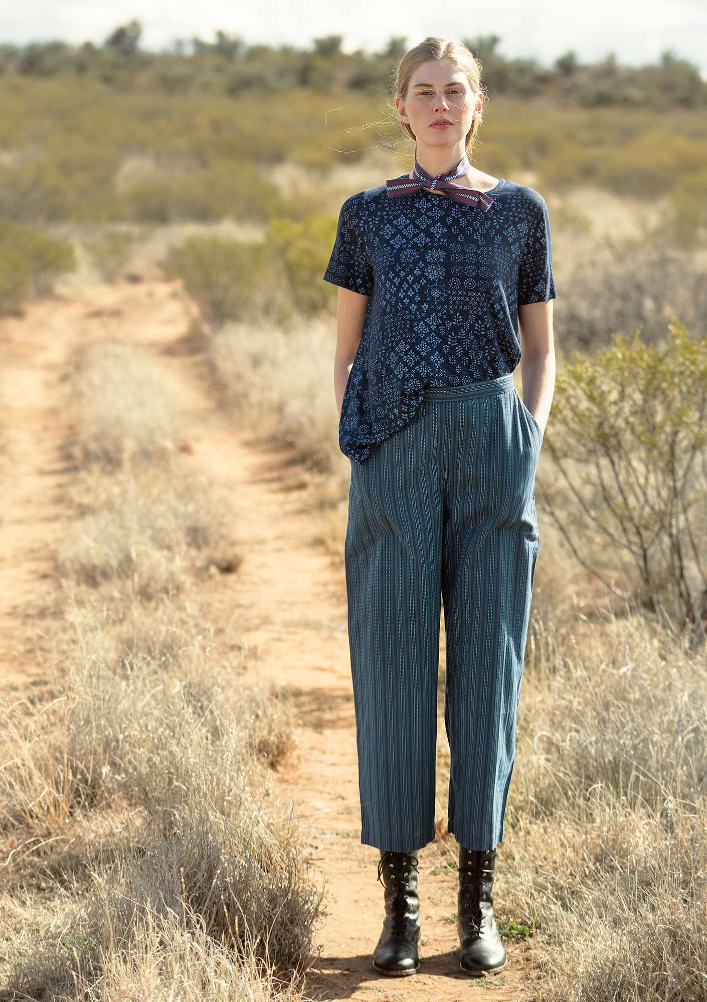 Organic cotton trousers indigo
