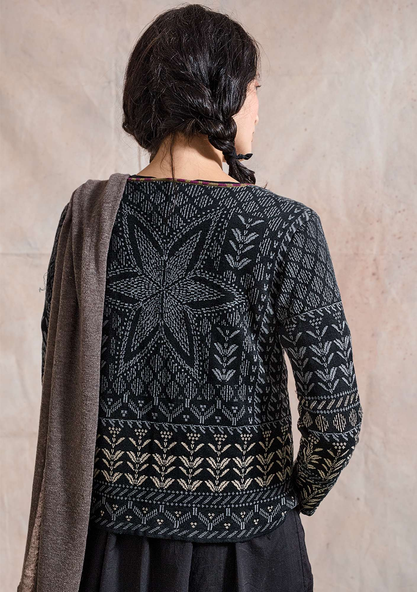 """Slöjda"" cardigan in linen and eco-cotton/recycled cotton black"