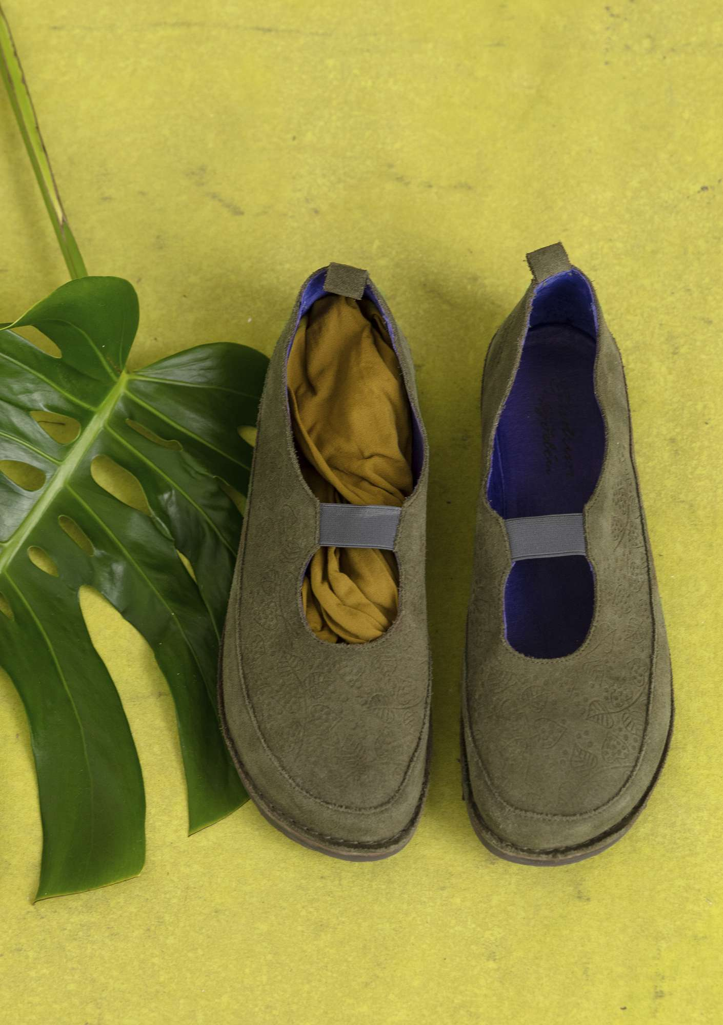 Embossed suede shoes hawthorn