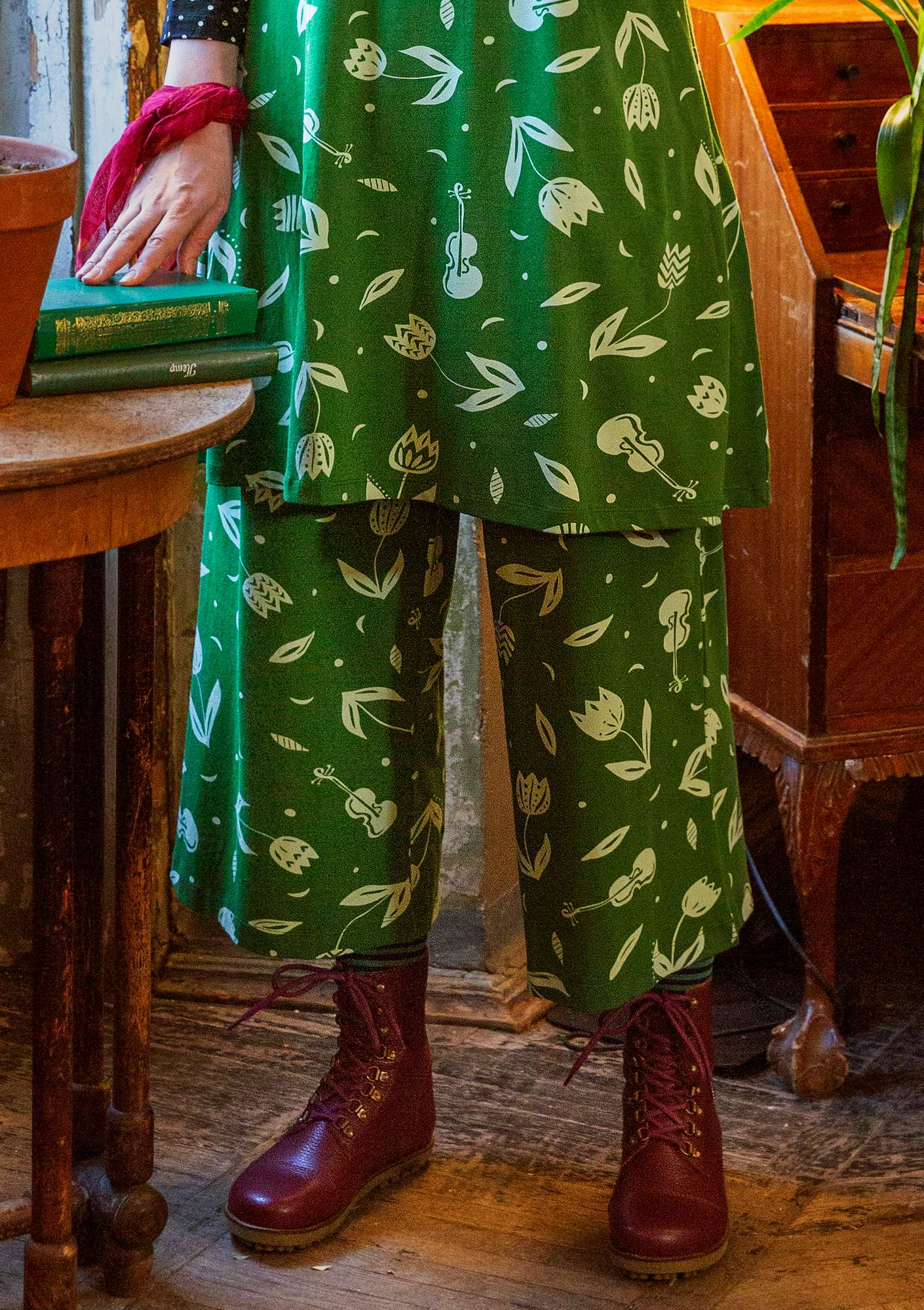 Violin trousers grass green