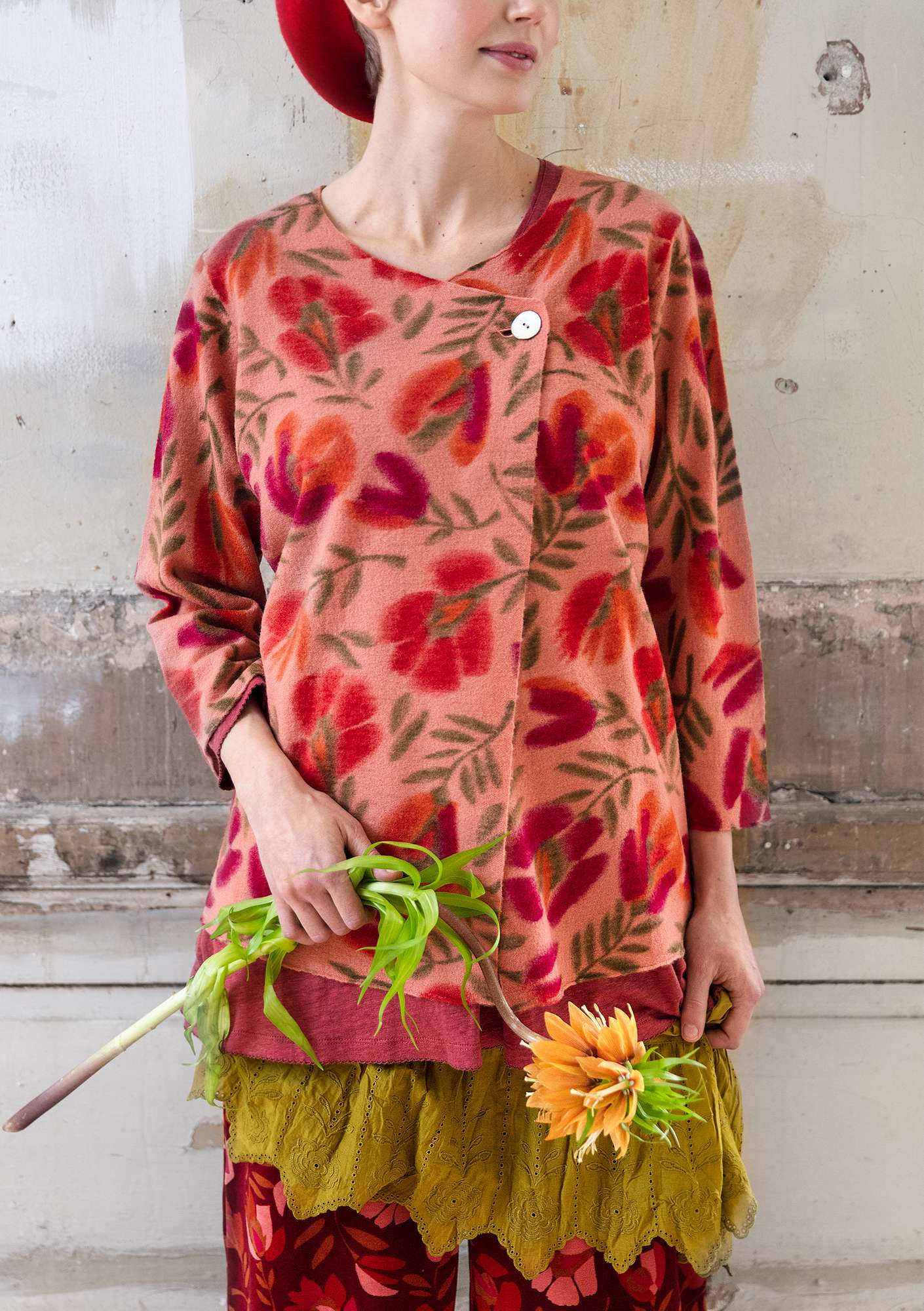 "Felted wool ""Disa"" cardigan with printed design lily"