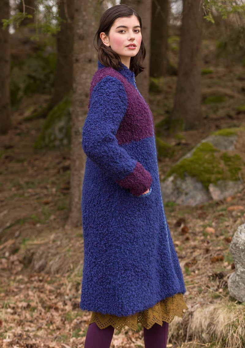 Knitted bouclé coat in a wool blend midnight blue