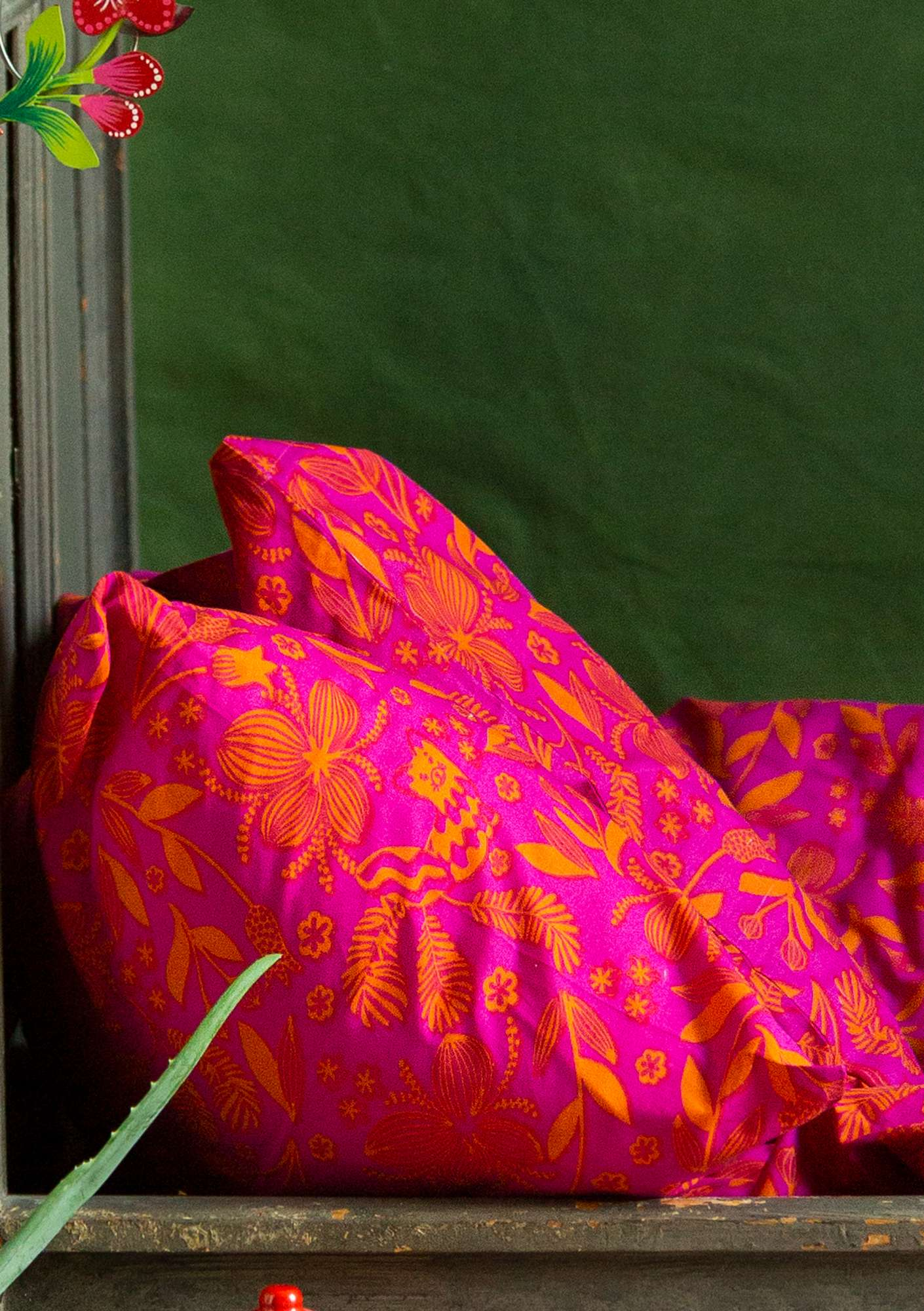 """Sara"" organic cotton pillowcase cerise"