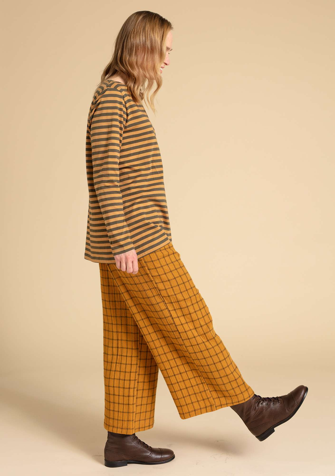 Organic cotton trousers mustard