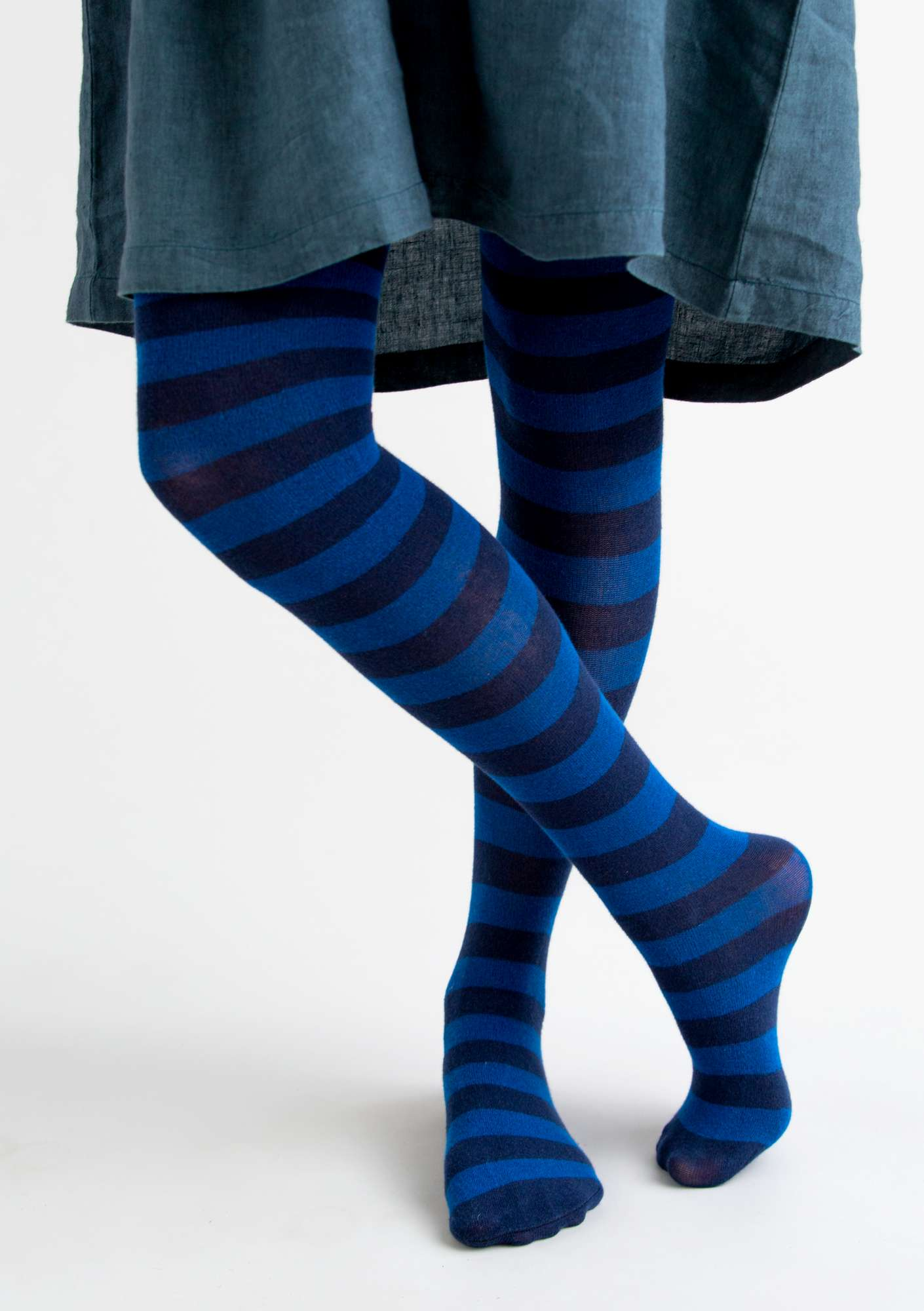 Block-striped tights in organic cotton ink blue/violet
