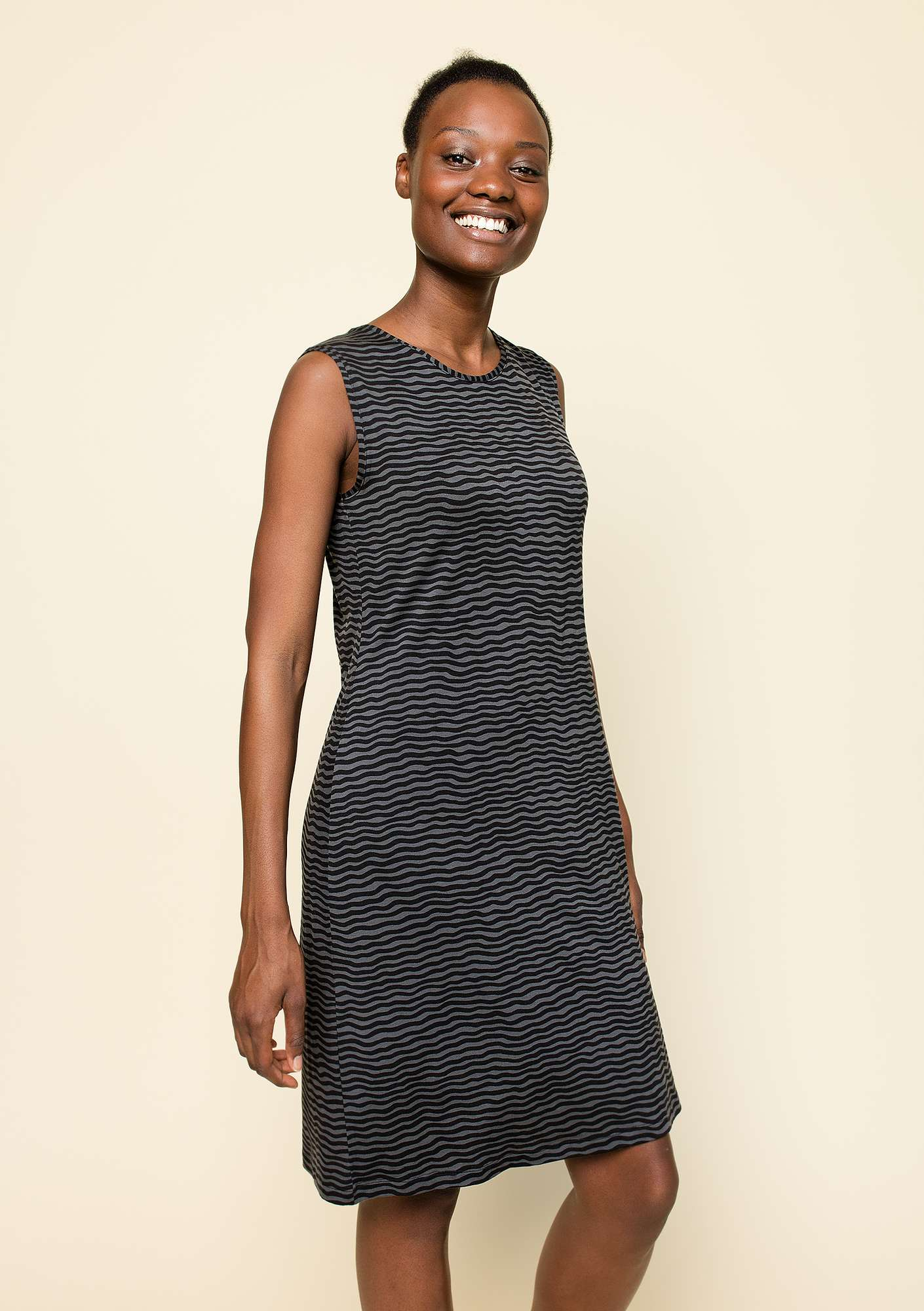 Kleid Krusa black/patterned