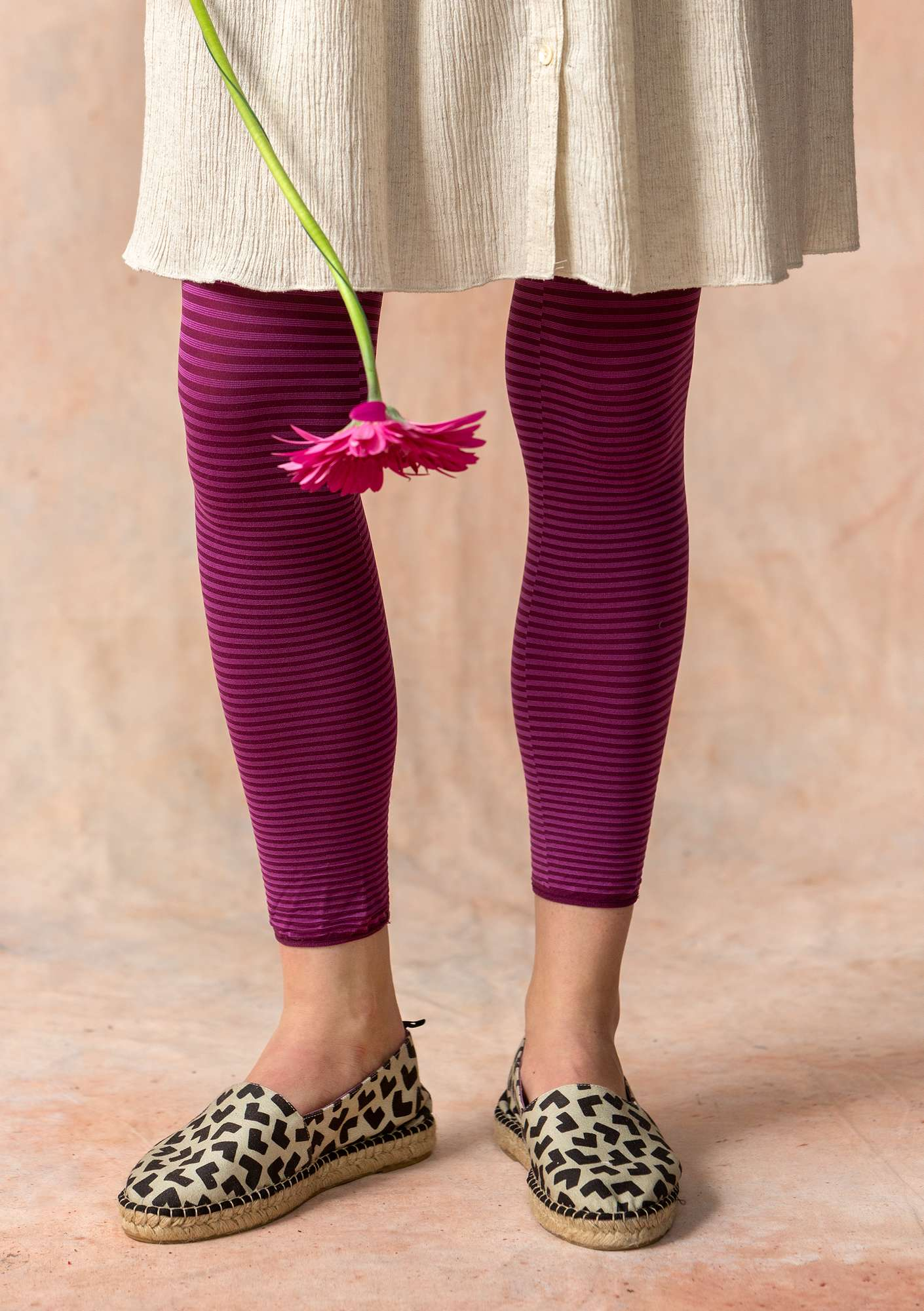 Striped leggings in recycled nylon grape/hibiscus