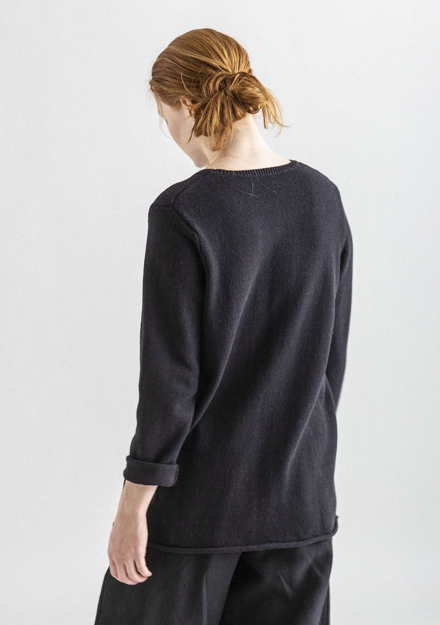 BÄSTIS sweater in organic cotton black