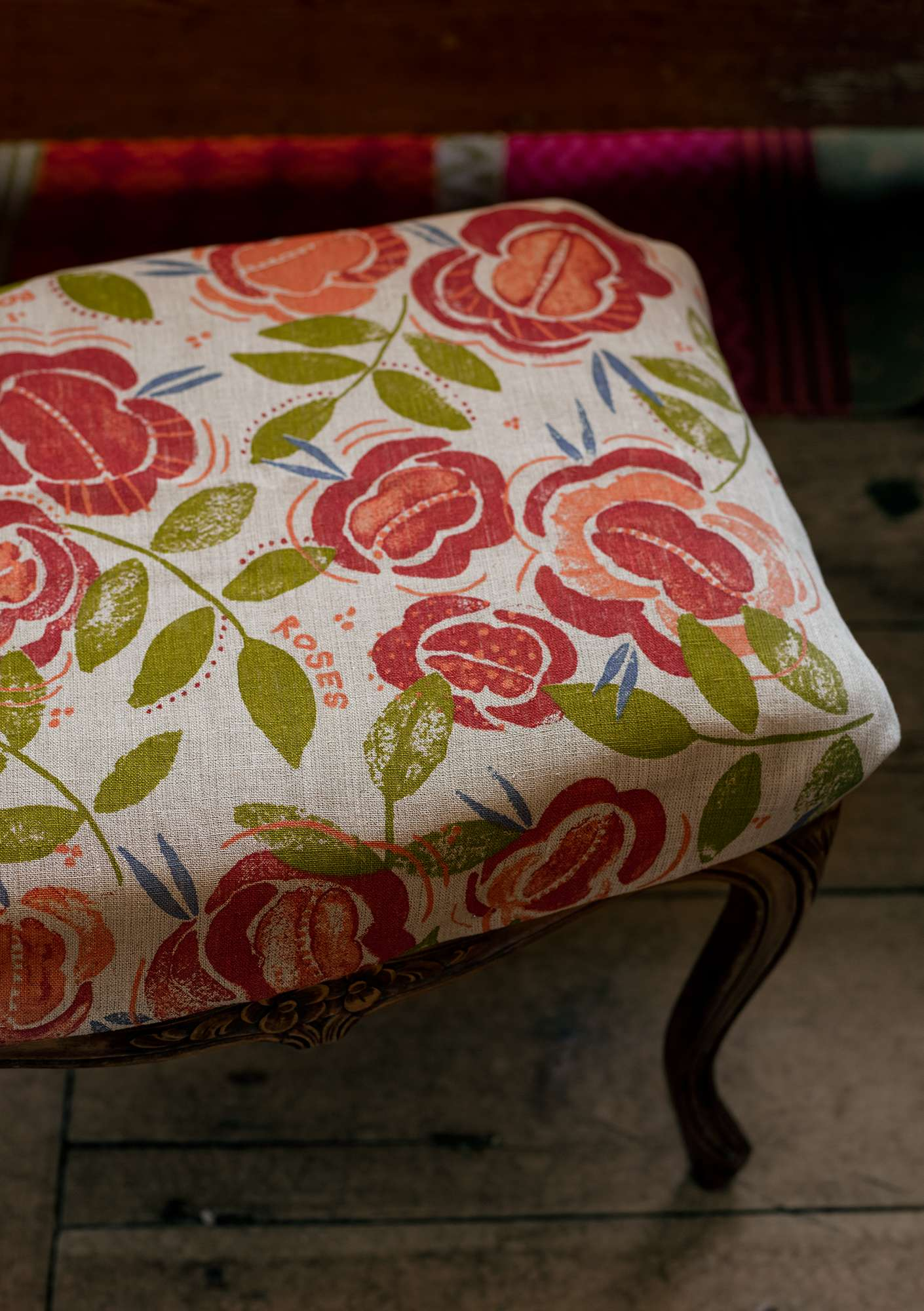 """Roses"" linen yard goods coral"