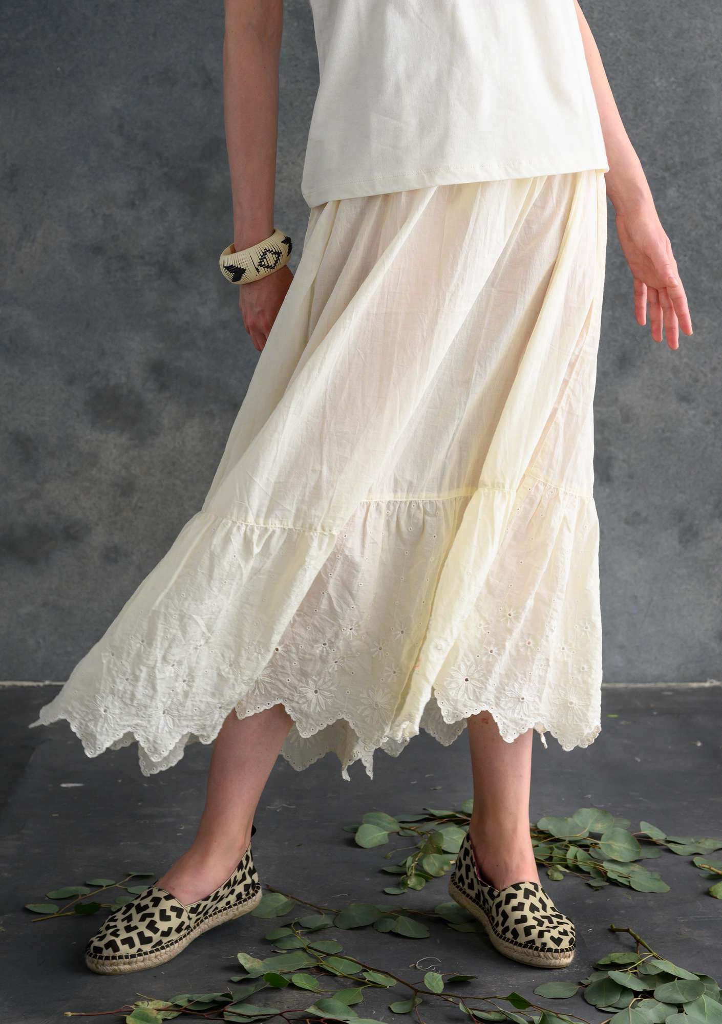 Ruffled organic cotton skirt unbleached