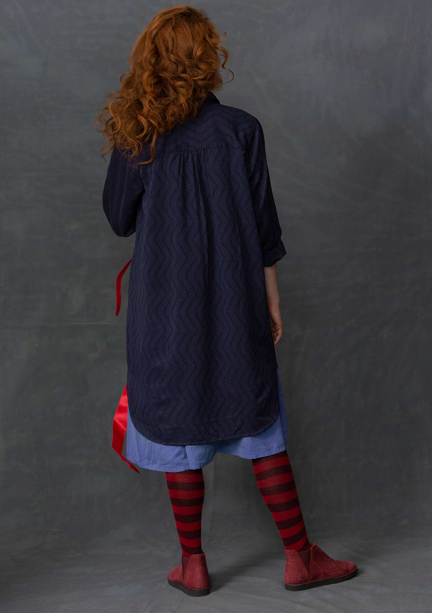 Long shirt in cotton jacquard indigo
