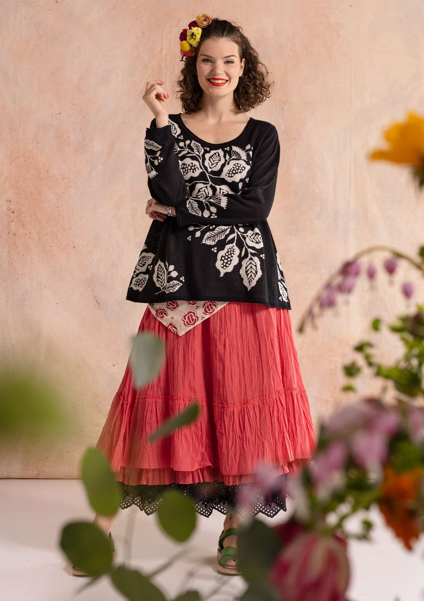 """Flamenco"" sweater crafted from organic linen/recycled cotton black"