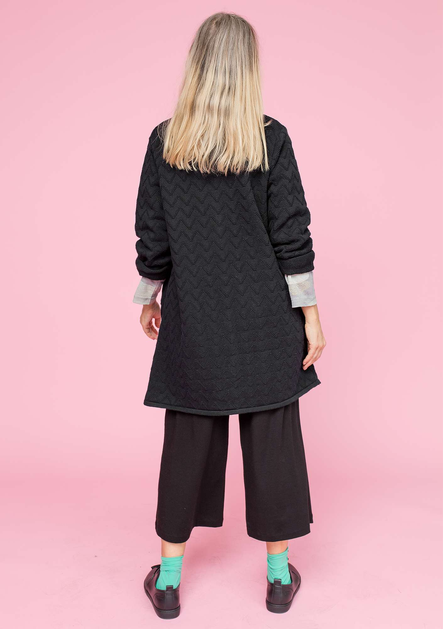 """Zigrid"" cardigan in organic cotton black"