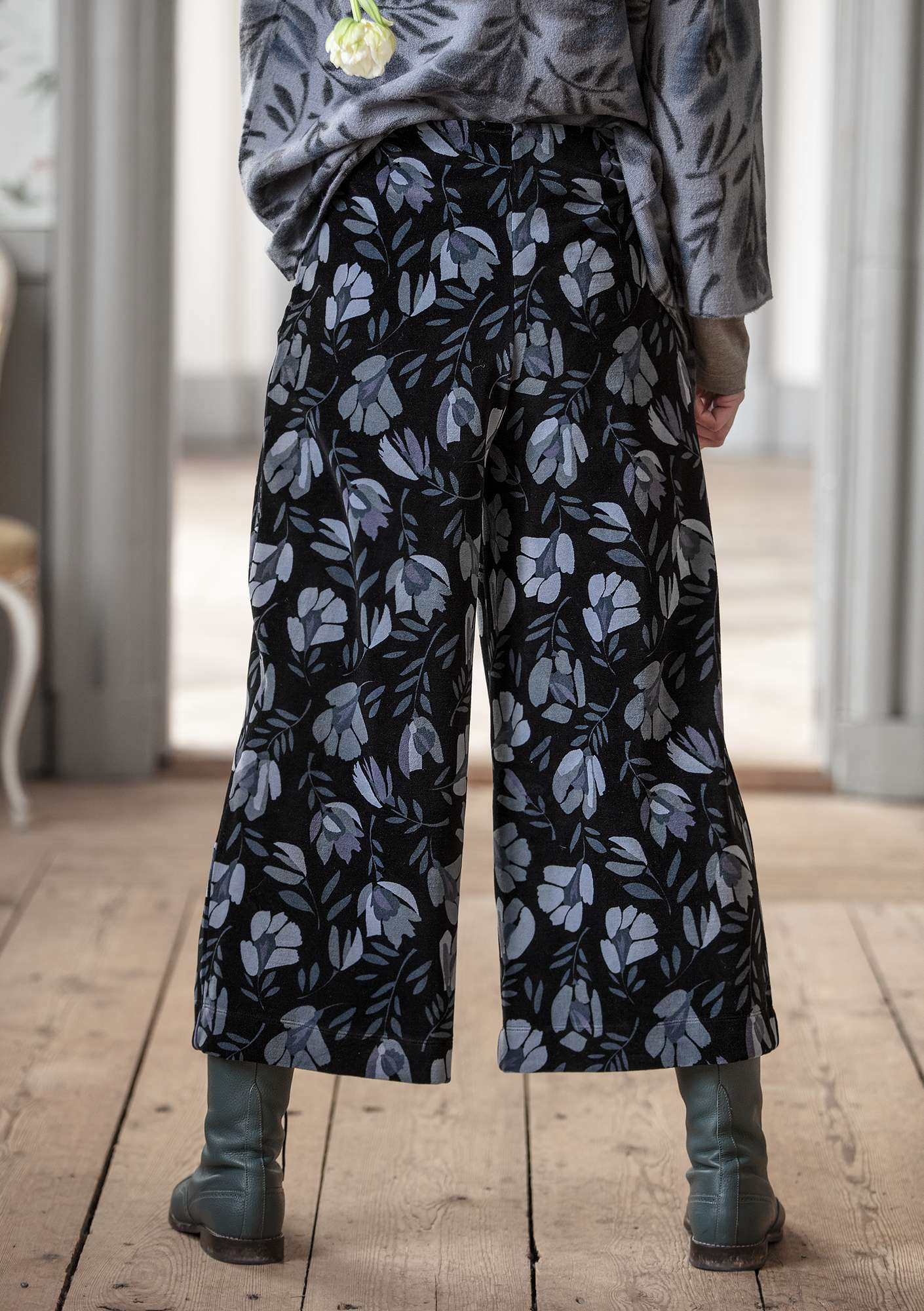 """Vurma"" velour trousers in organic cotton/polyester graphite/patterned"