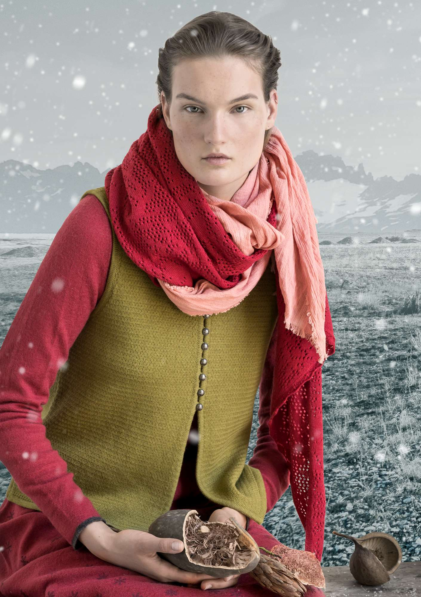 """Embla"" shawl in organic cotton/wool rosewood"