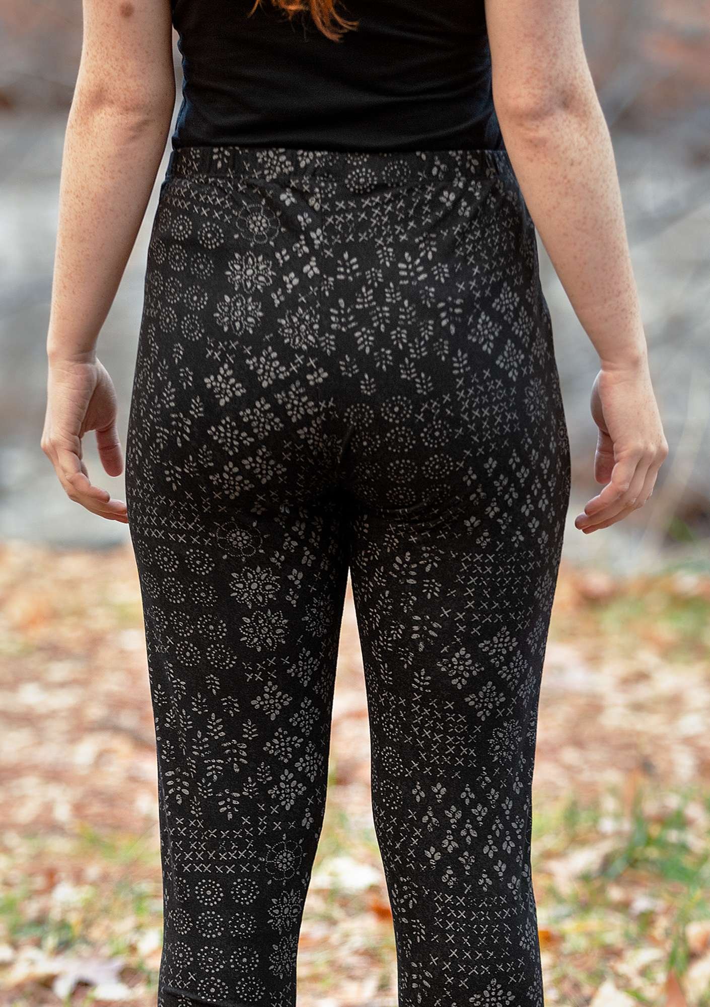 """Duvemåla"" leggings in micromodal/elastane black"