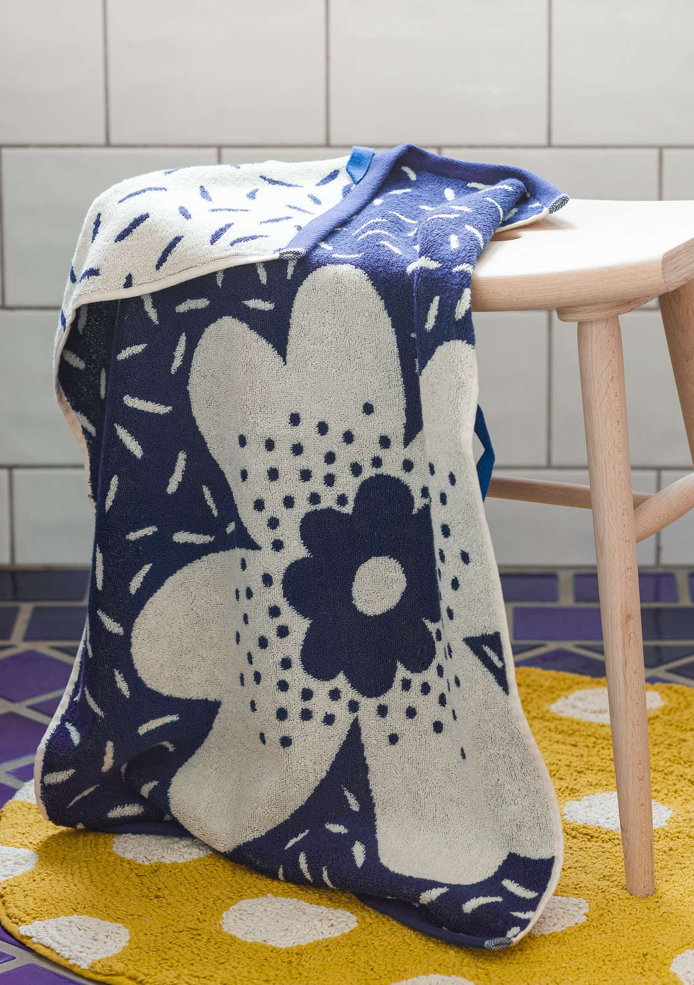 Lily towel indigo blue