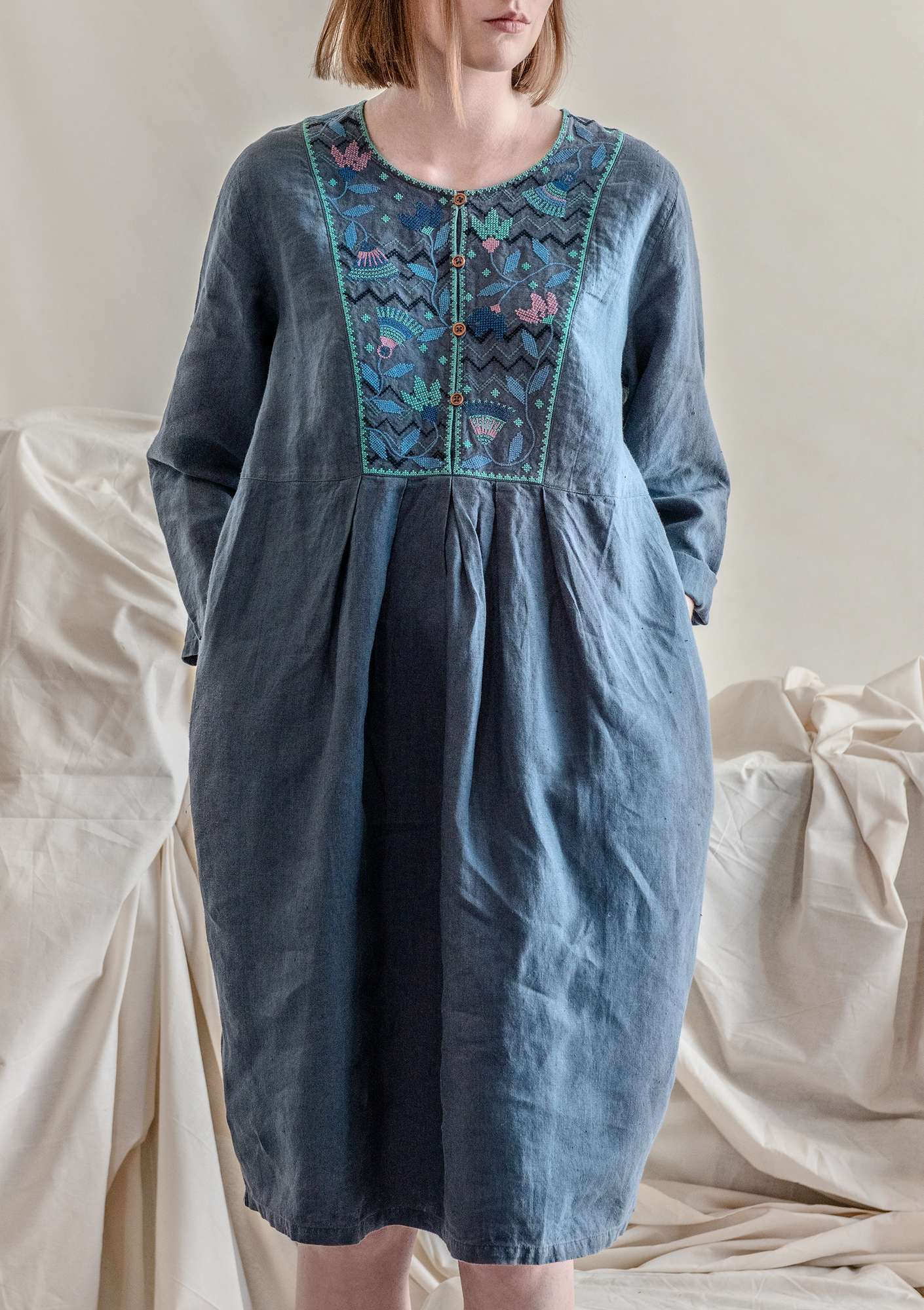 """Snökrokus"" linen dress muted blue"