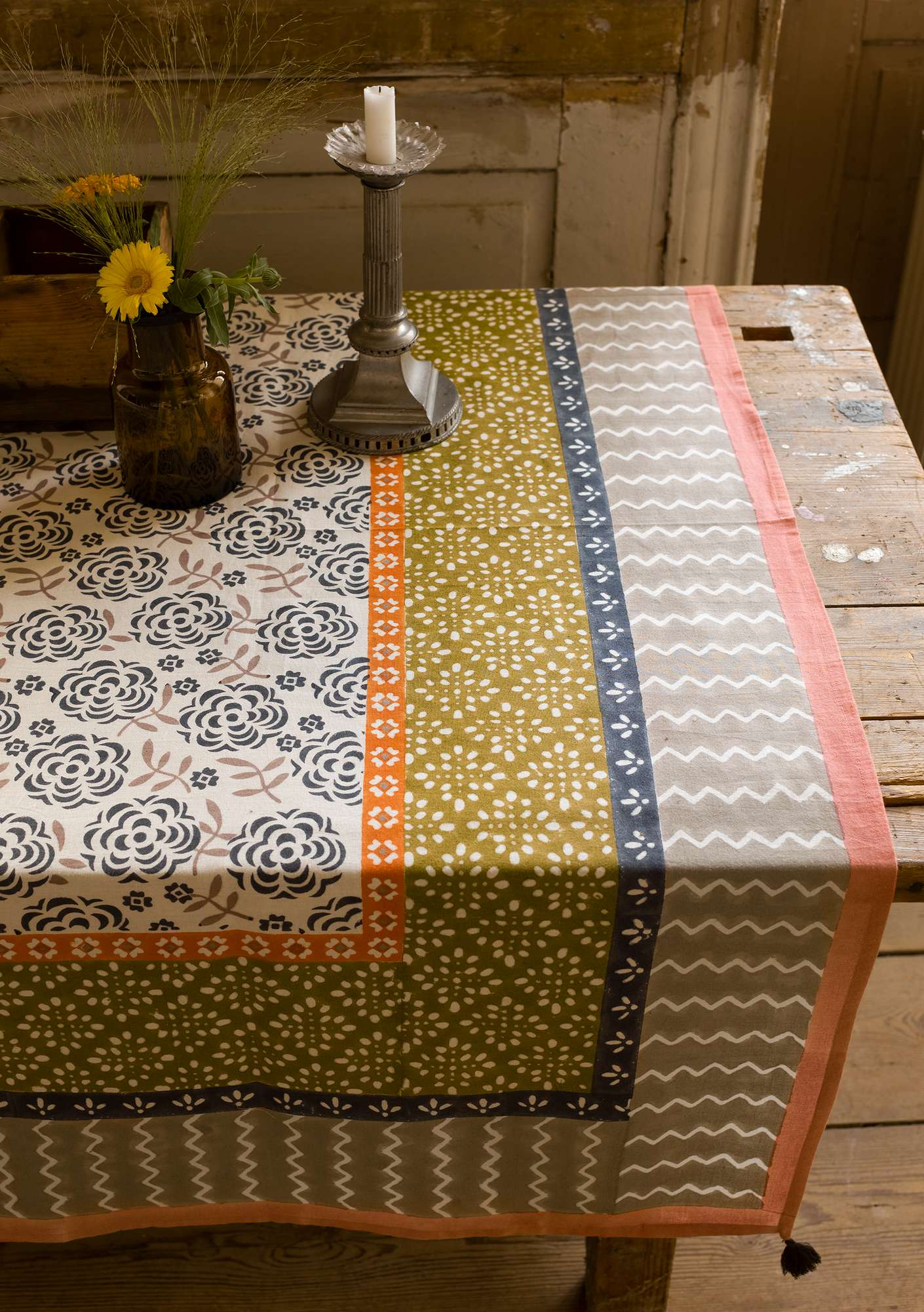"""Amita"" organic cotton tablecloth dark ash grey"