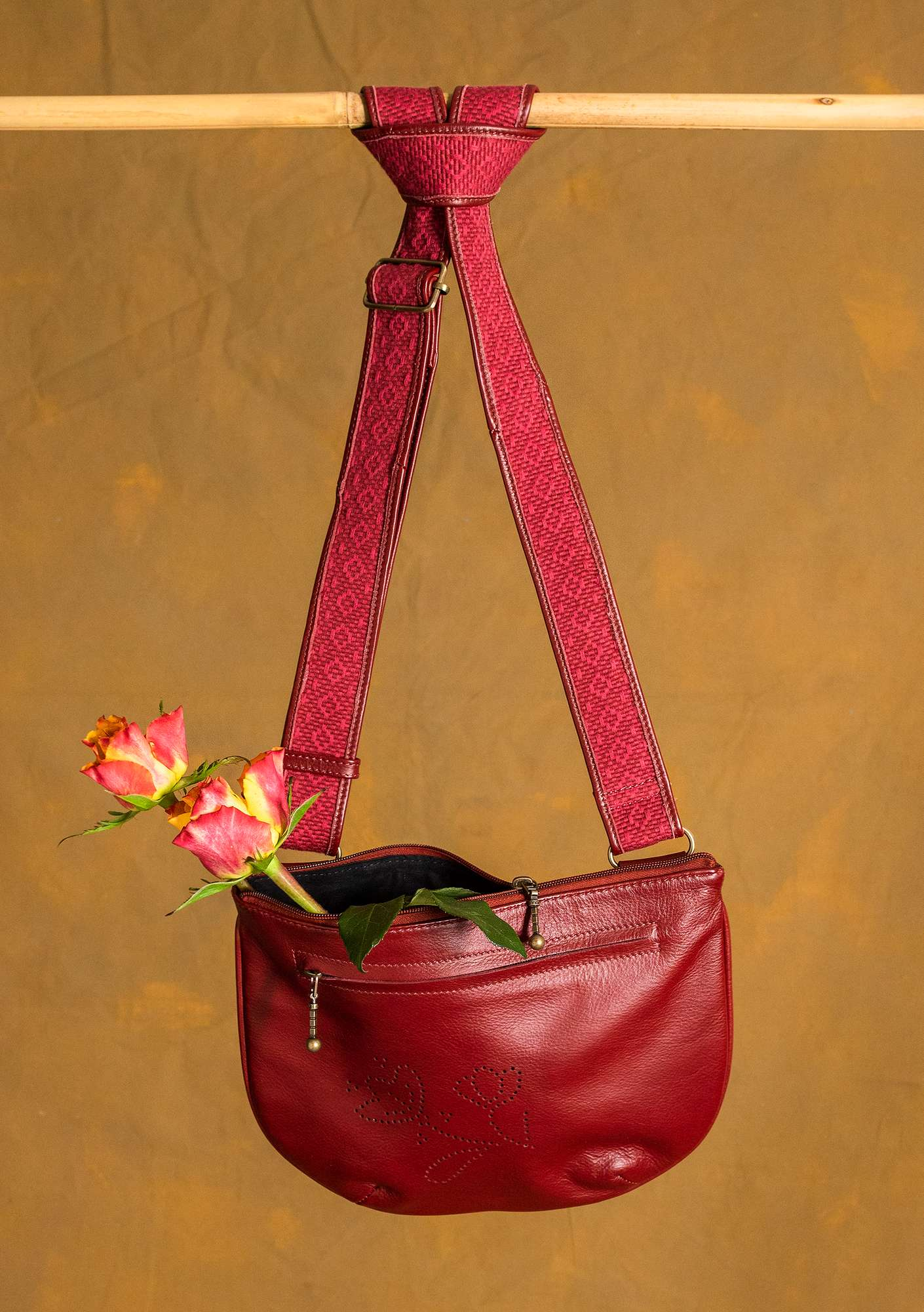 """Petra"" leather bag agate red"