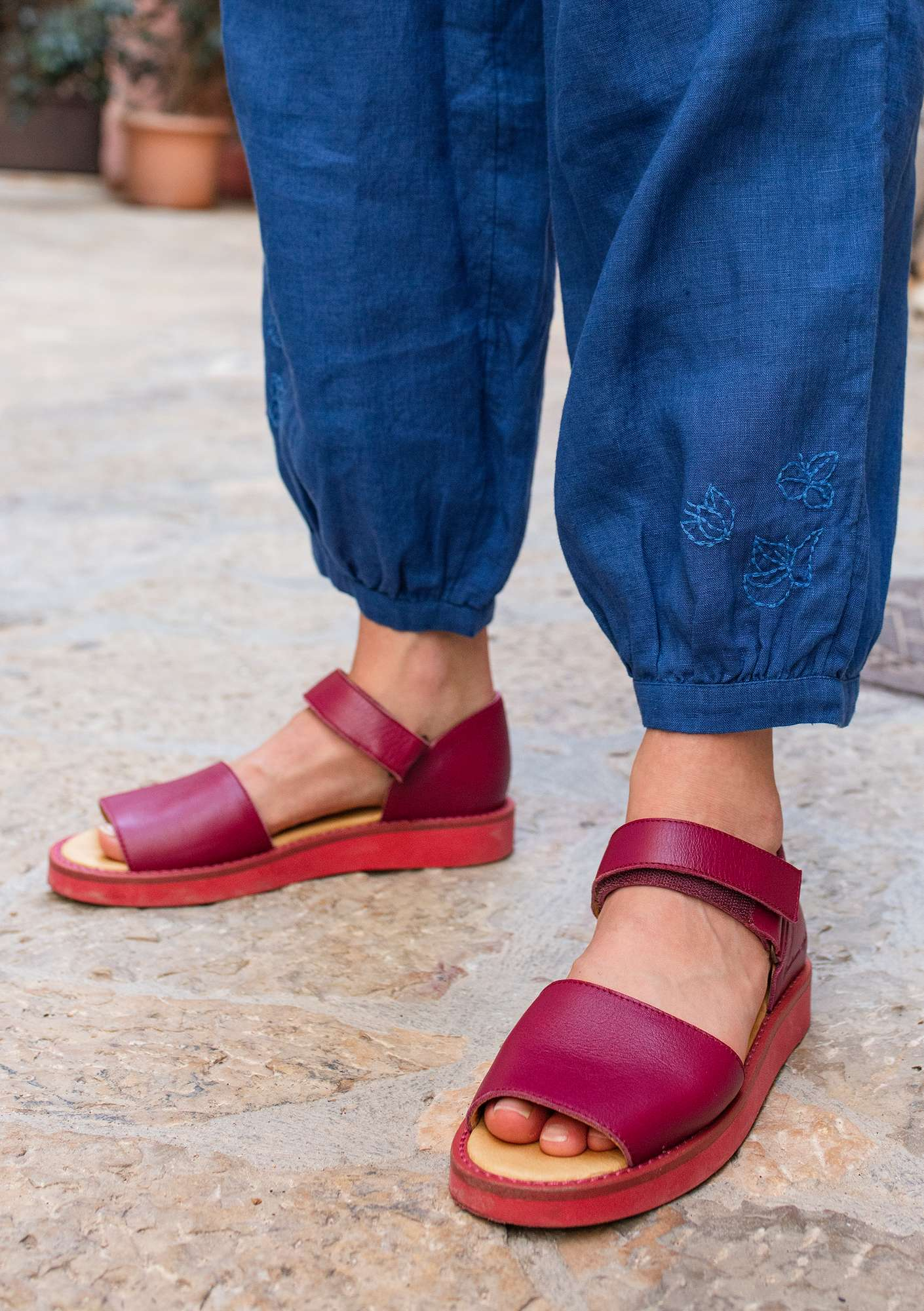 Nappa sandals dark hibiscus