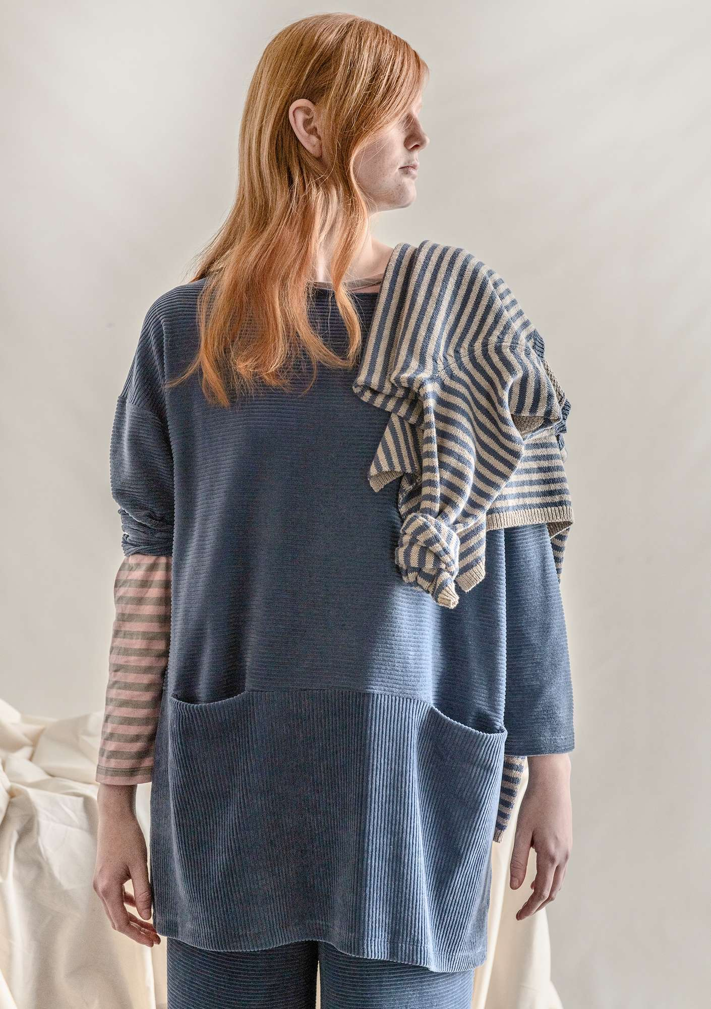 Jersey tunic in corduroy velour muted blue