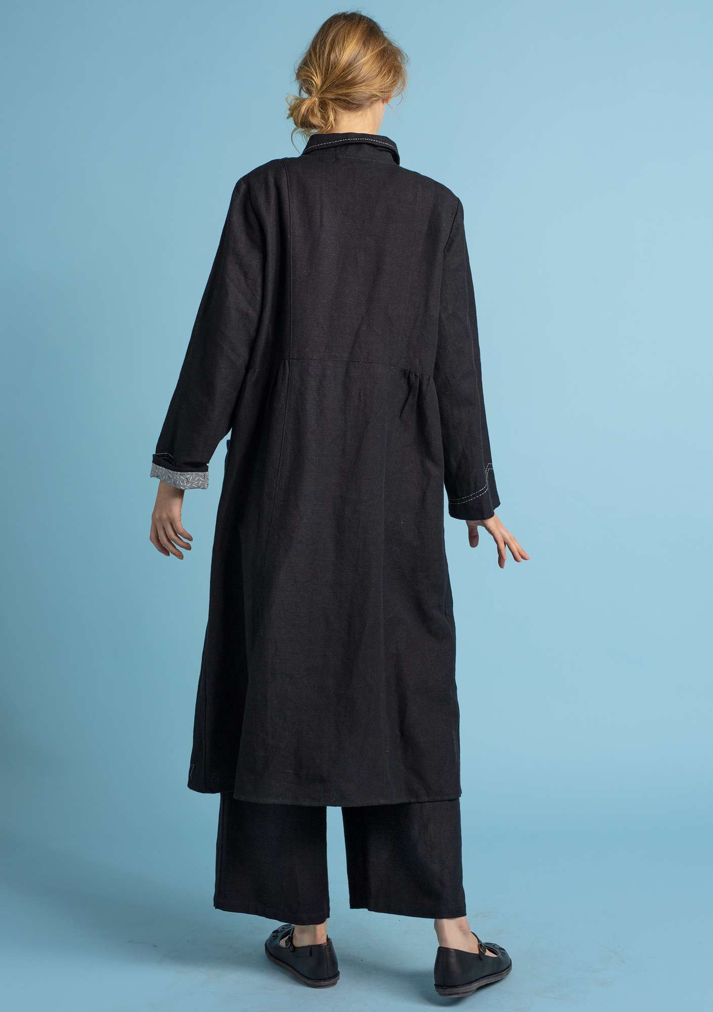 """Pinje"" coat in linen/organic cotton black"
