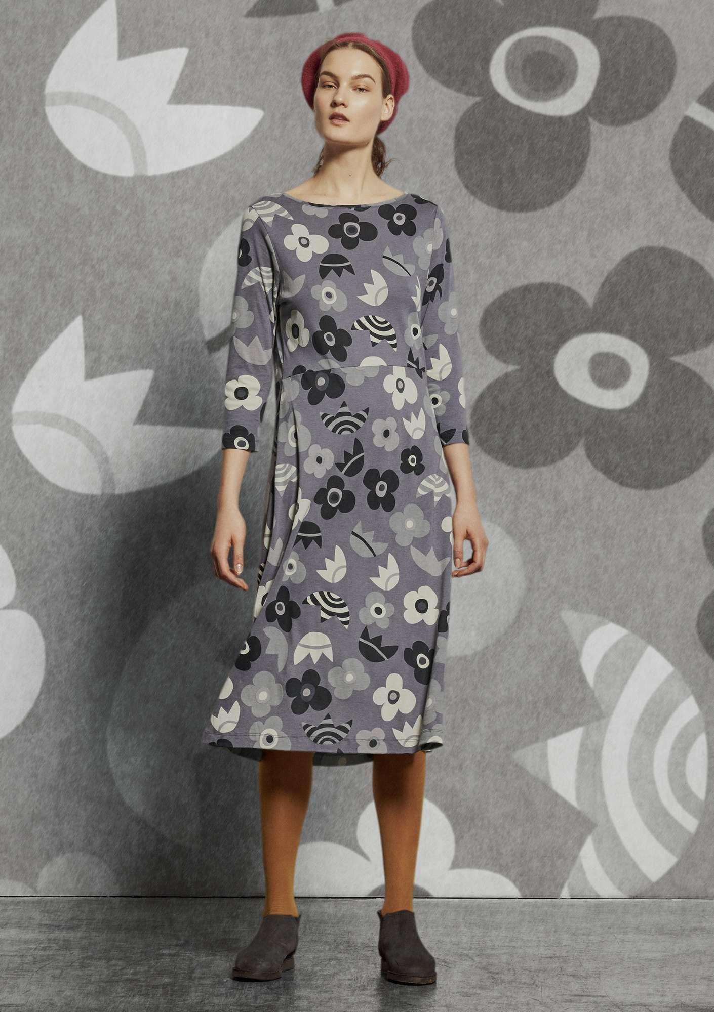 """Blomster"" dress in organic cotton/modal graphite"
