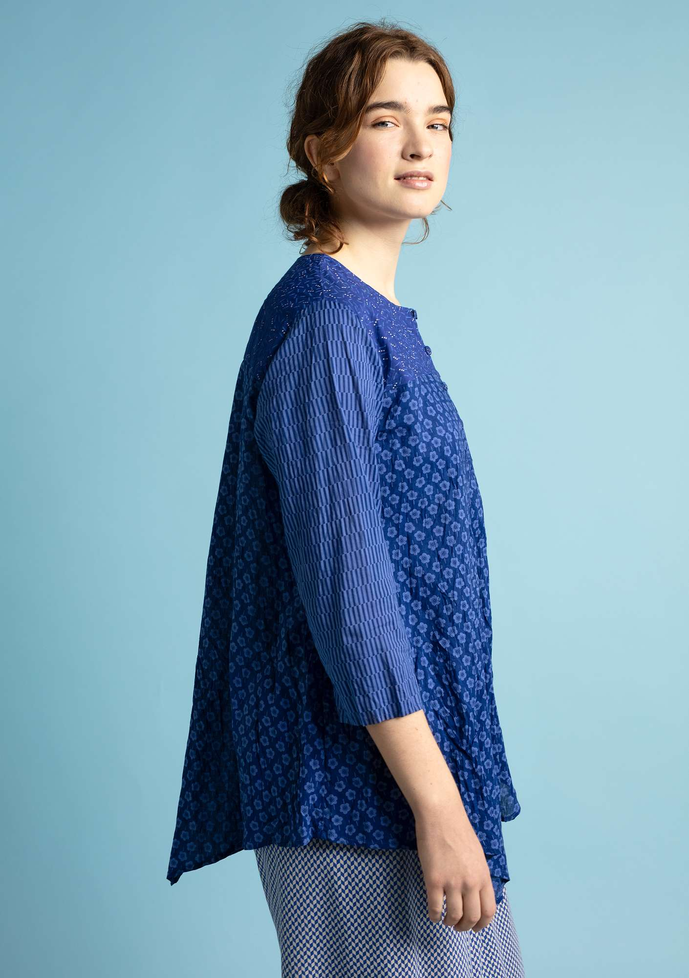 """Myrten"" blouse in organic cotton violet"