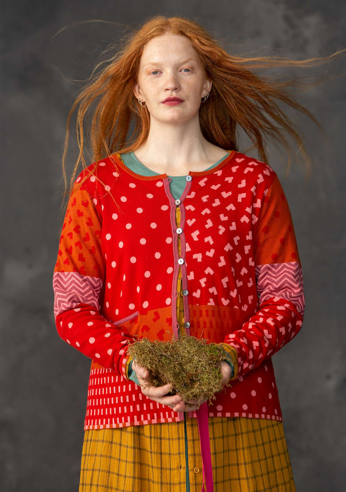 """Victoria"" cardigan made of organic cotton remnants tomato"
