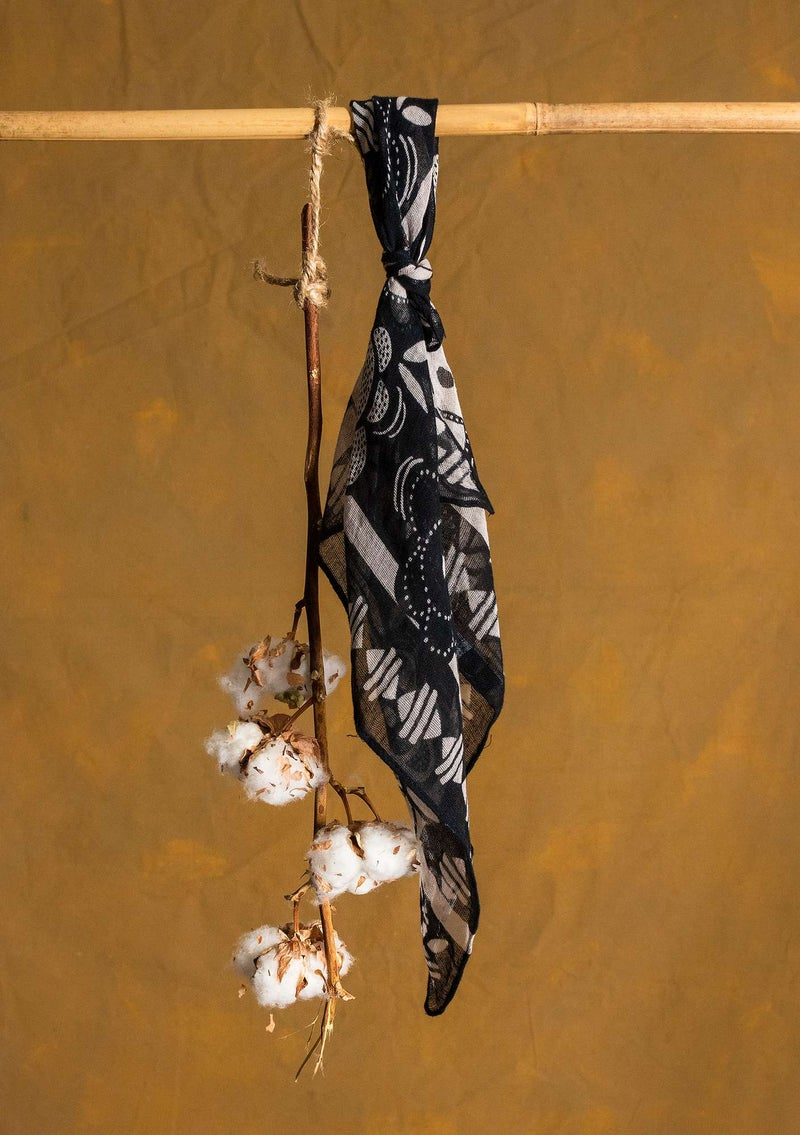"""Nora"" organic cotton shawl black"