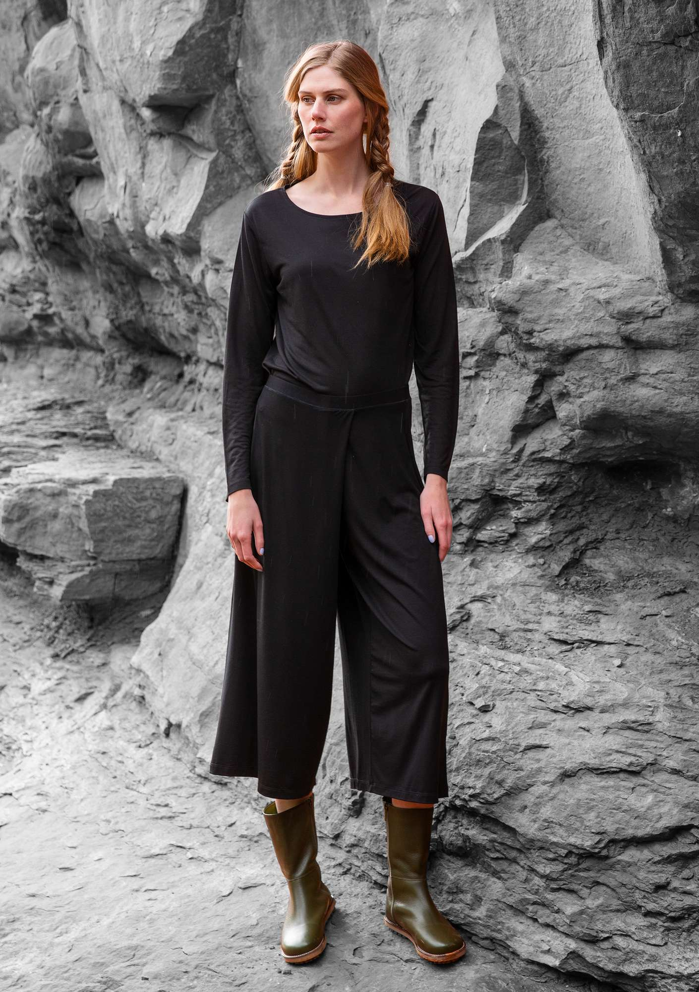 """Paradise"" trousers in lyocell/elastane black"