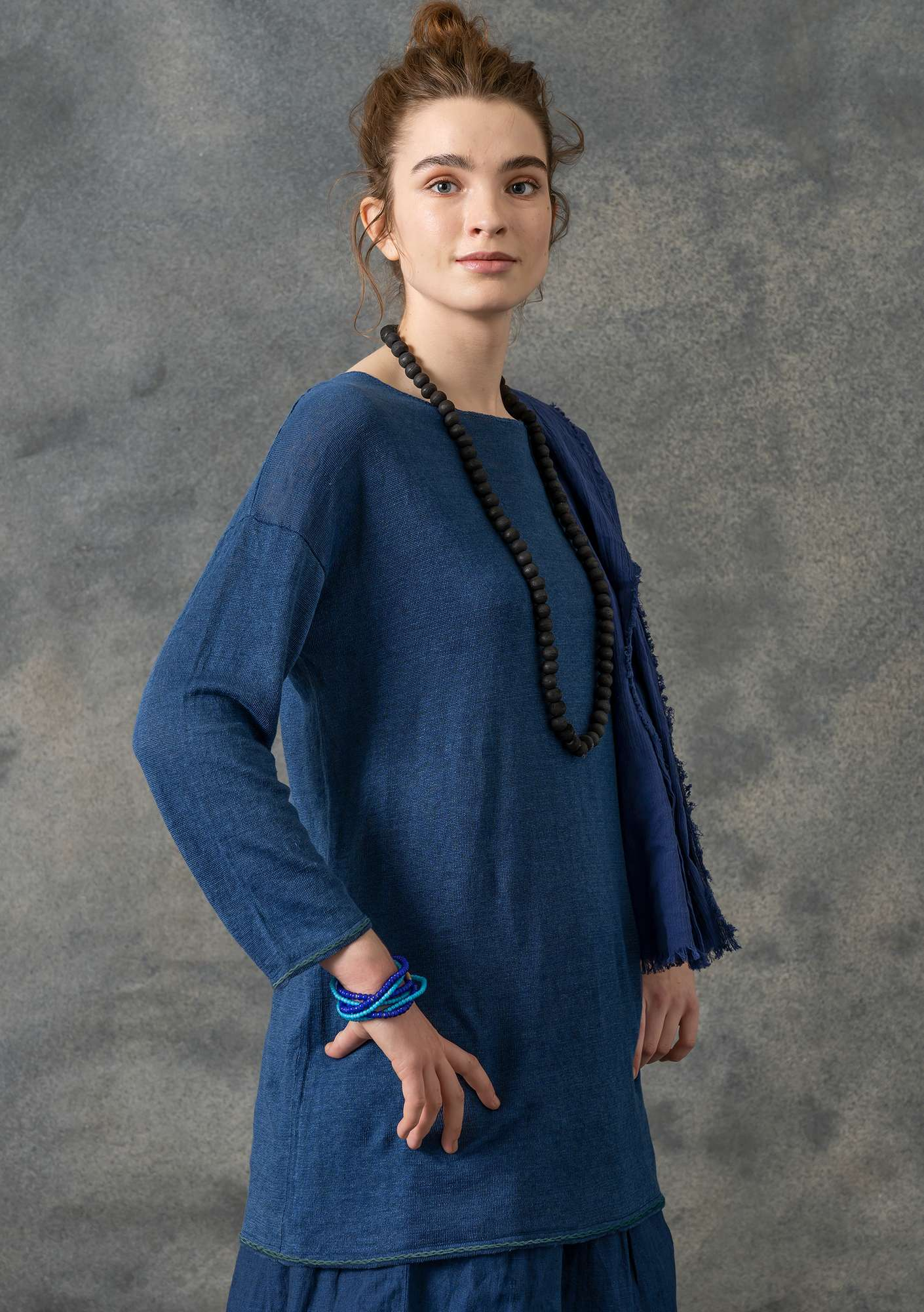 Knit tunic with embroidery in eco-linen flax blue
