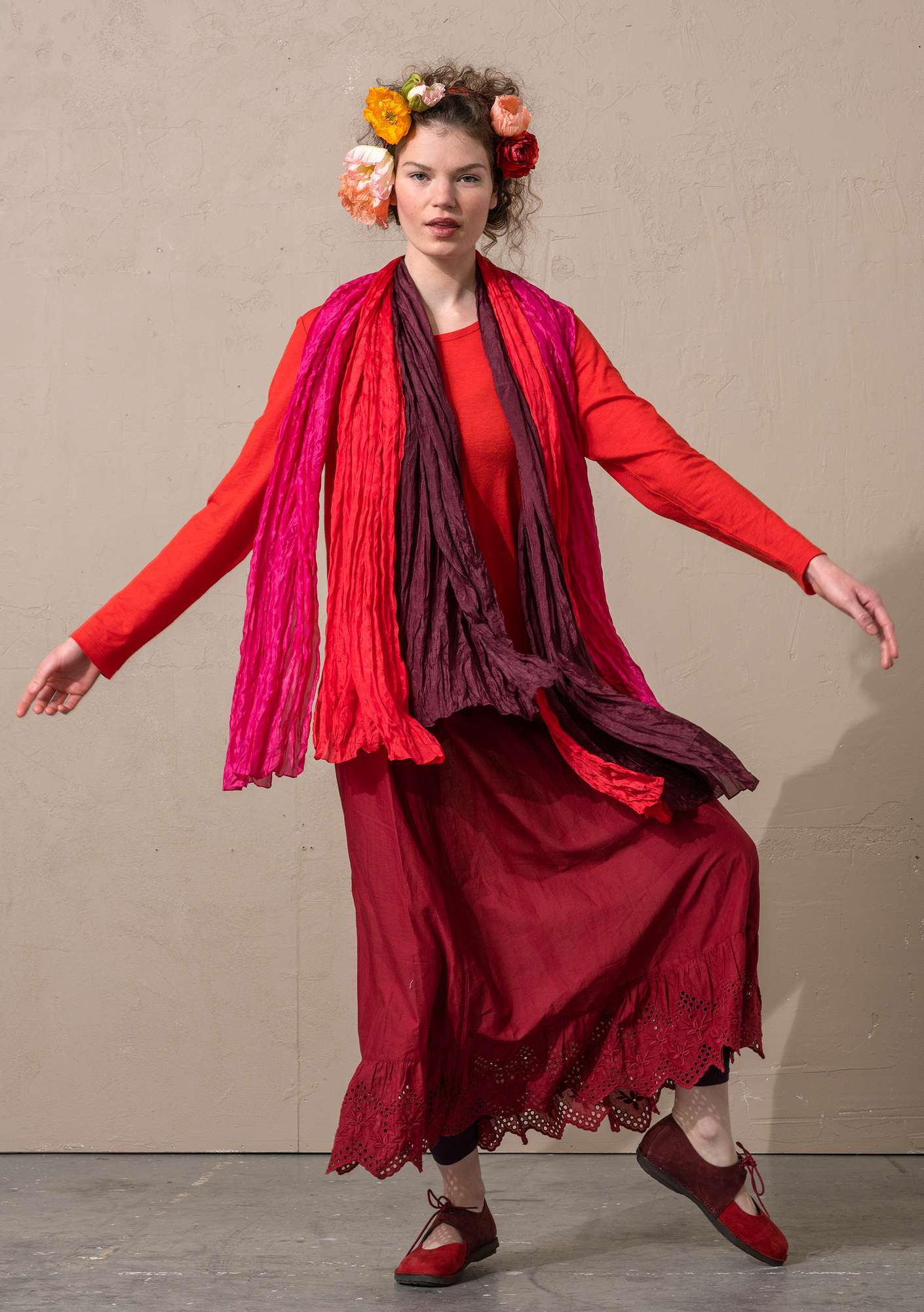 Jersey top in a lyocell/wool blend bright red