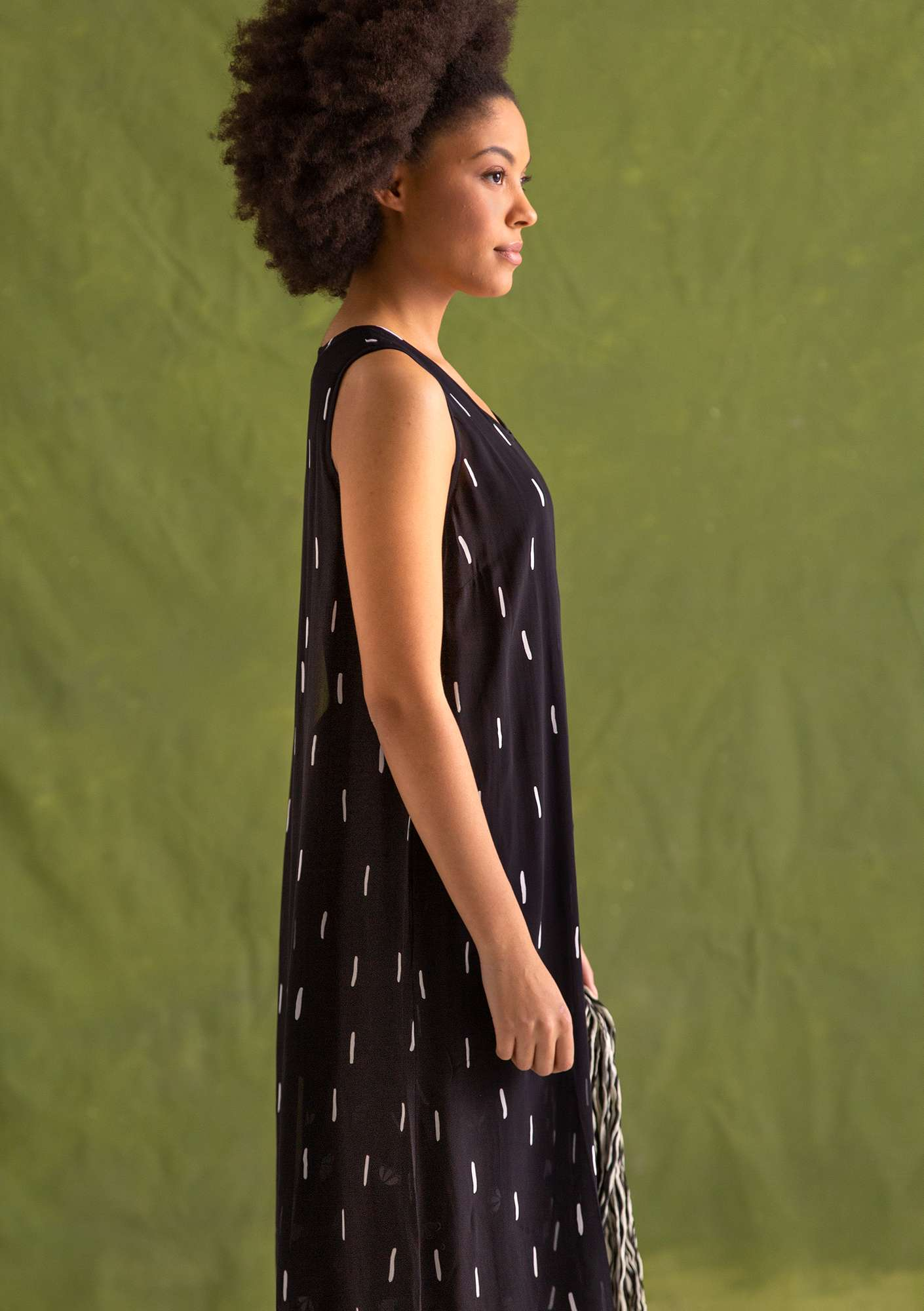 """Chelsea"" dress in rayon black"