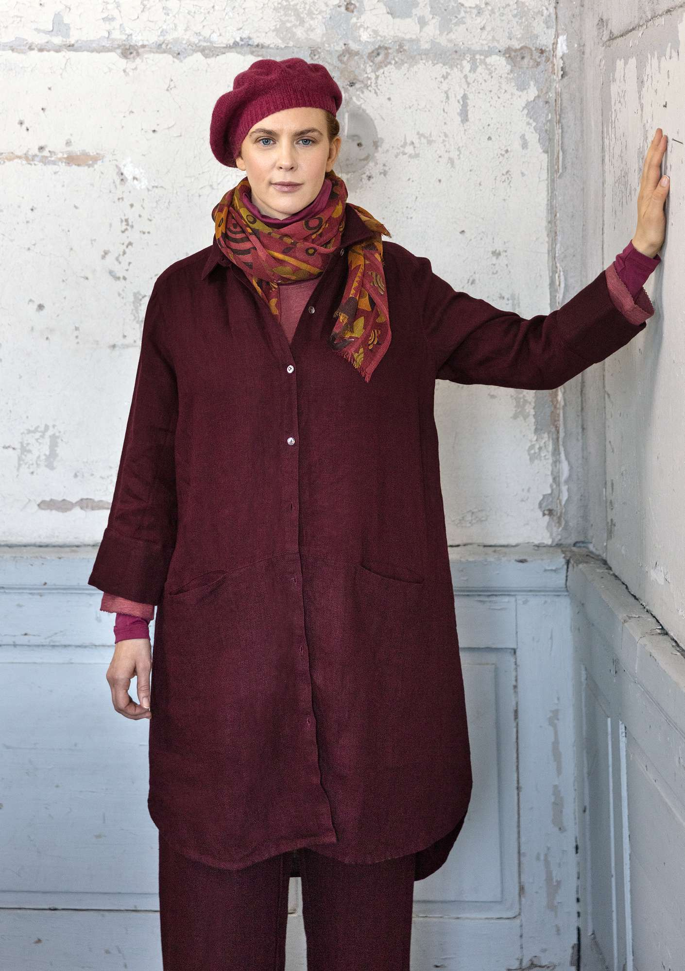 Linen long shirt aubergine