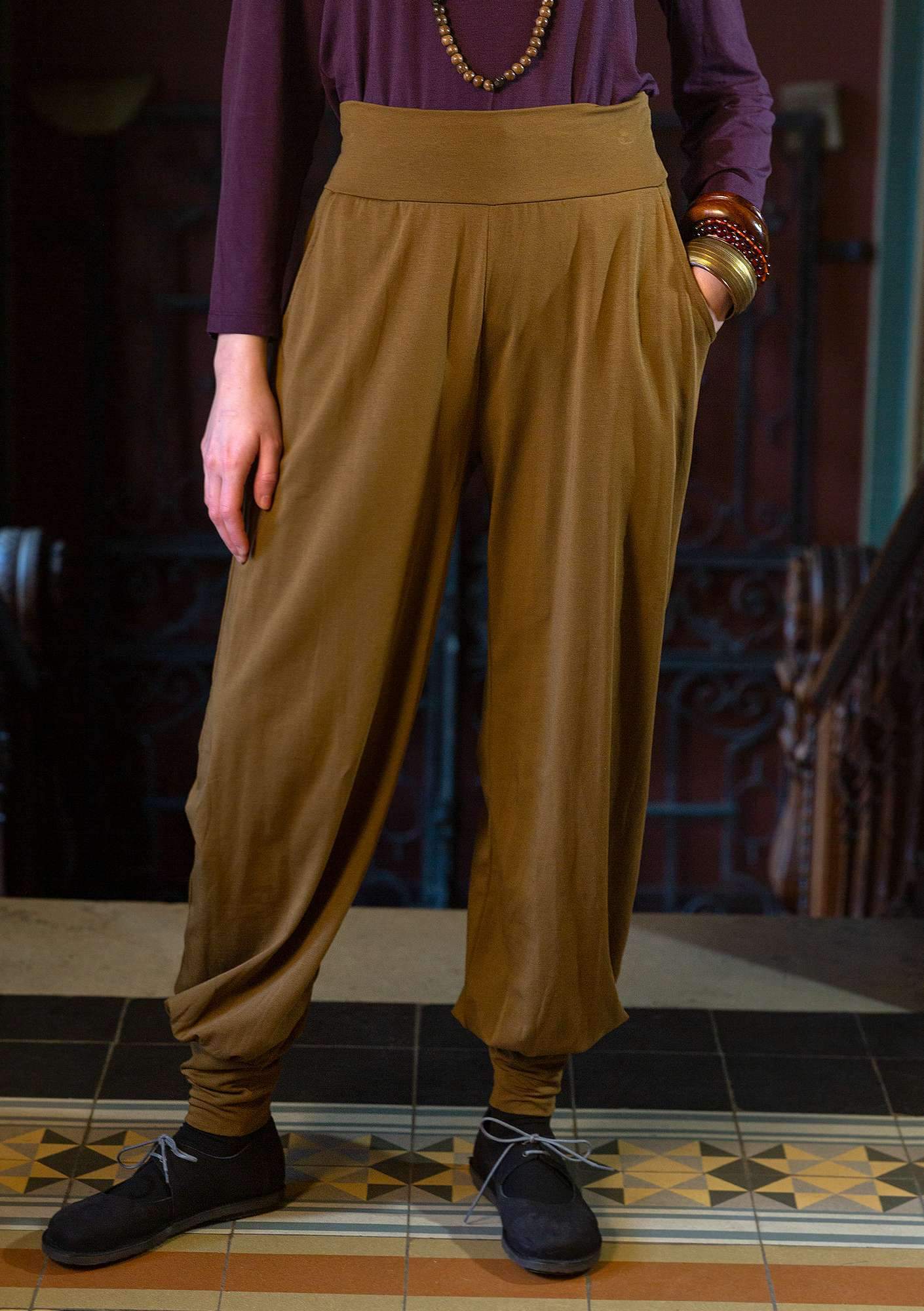 Solid-colored Pants brass