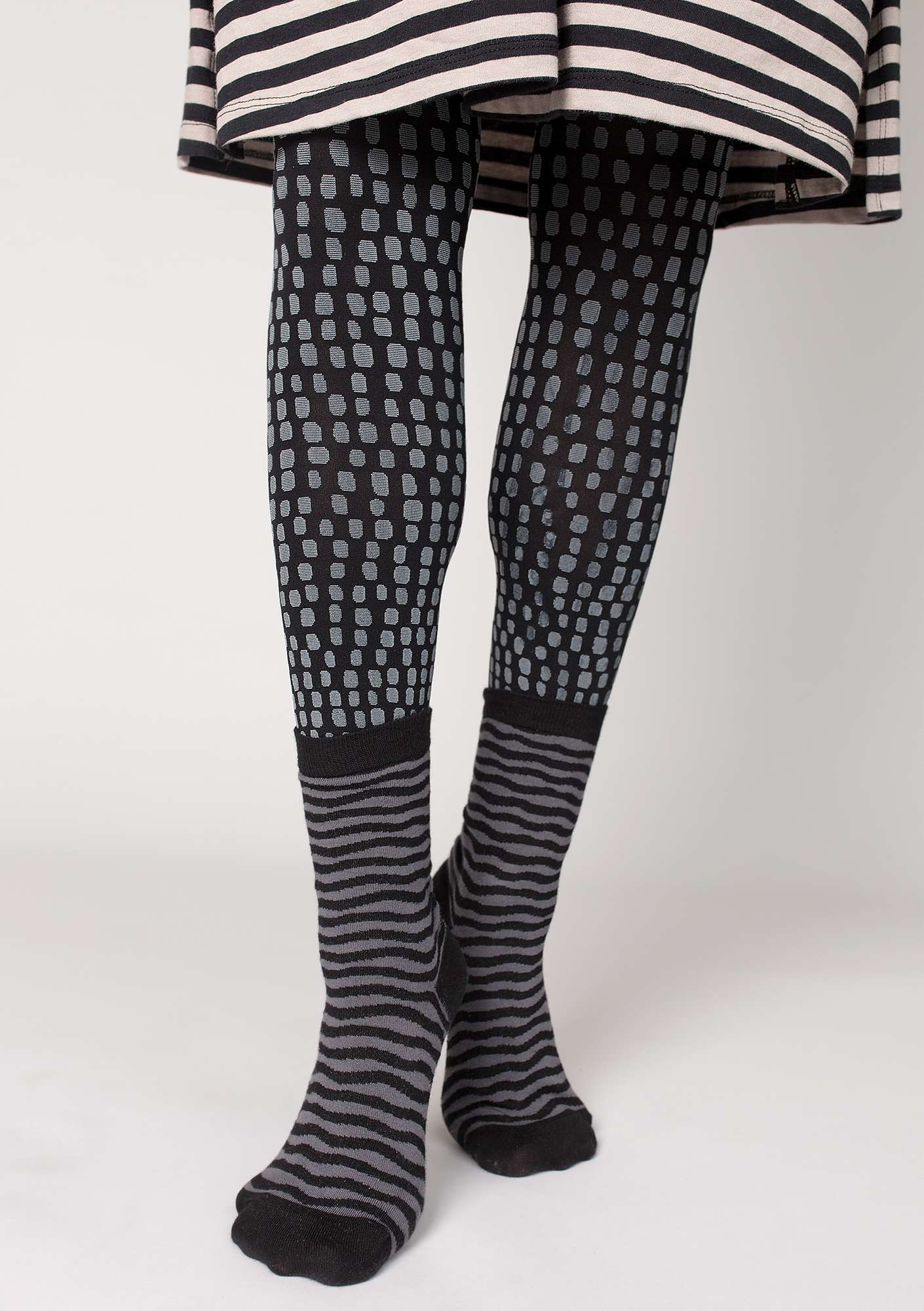"""Ninna"" leggings in recycled polyamide black"