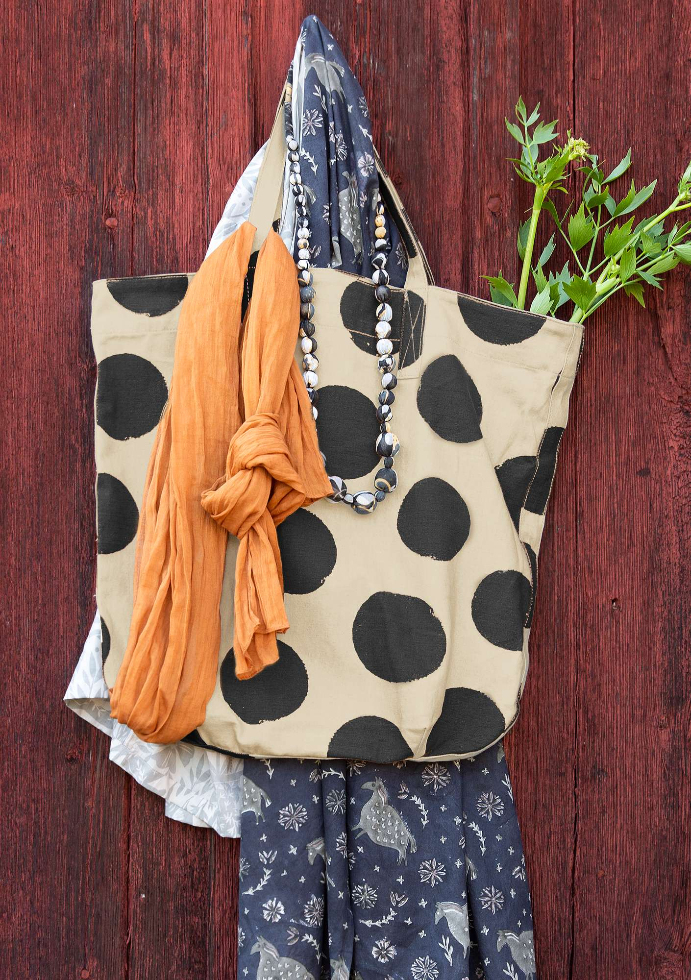 """Dottie"" bag in organic cotton ink blue"