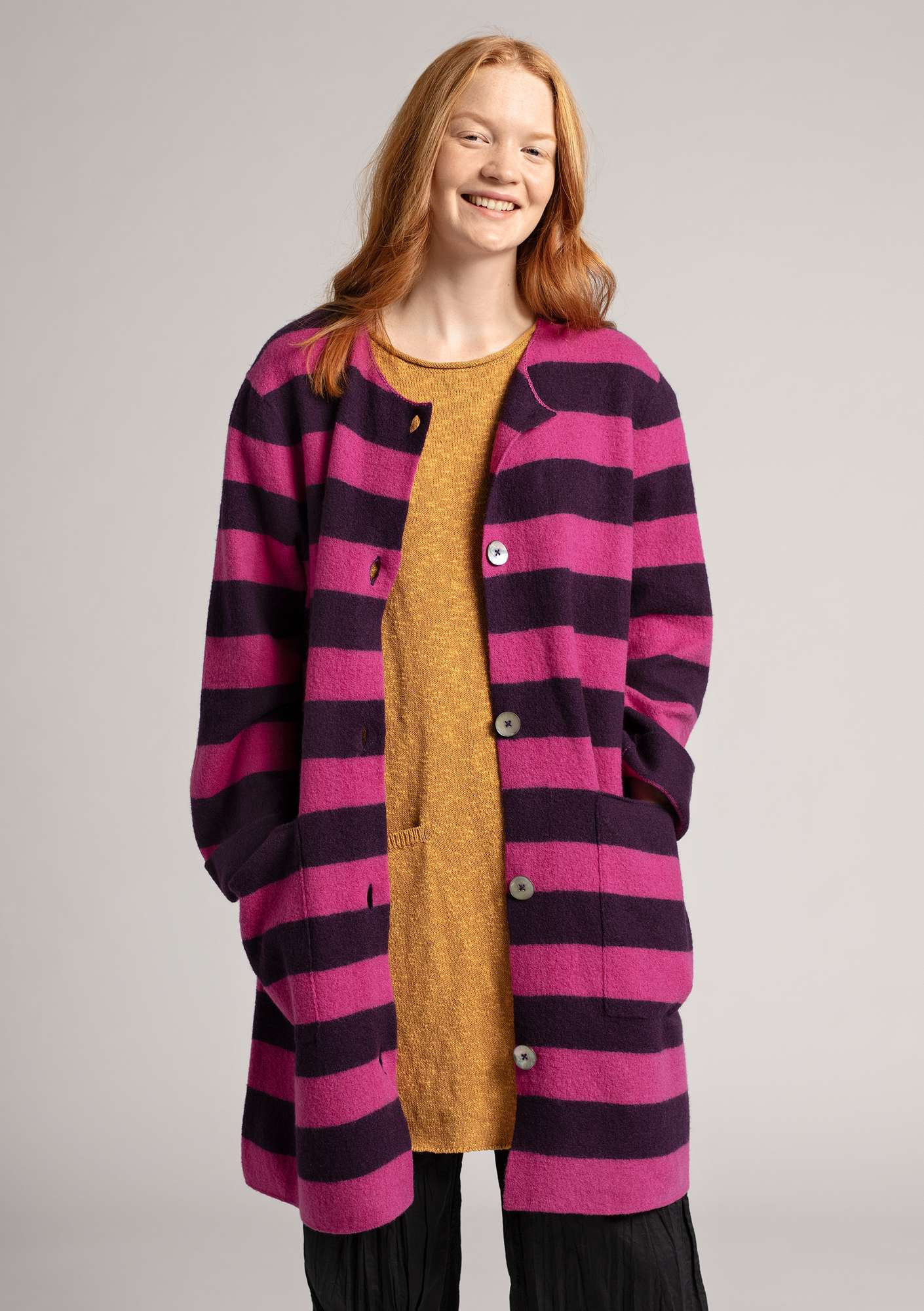 Long cardigan in felted wool lake/pink orchid