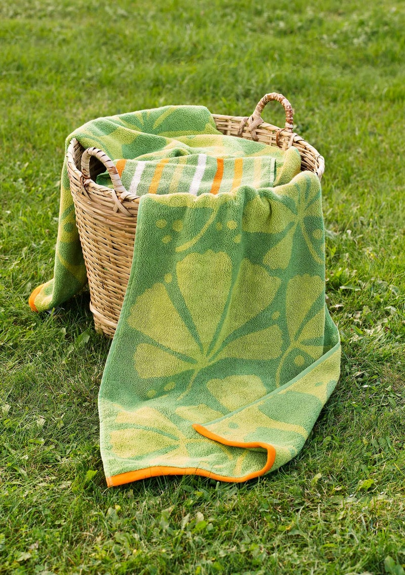 """Kastanj"" organic cotton towel apple green"