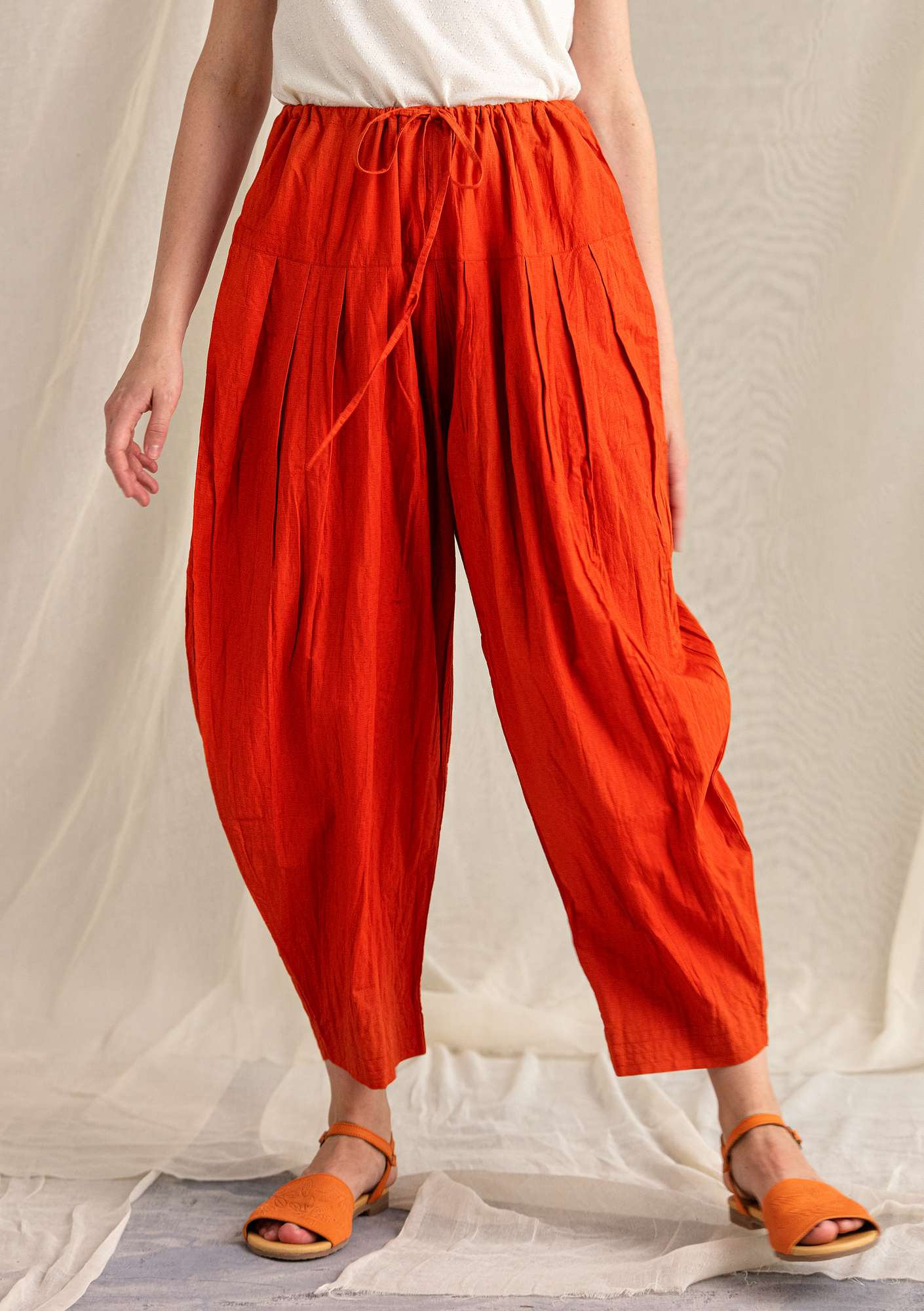 Solid-colour trousers chilli