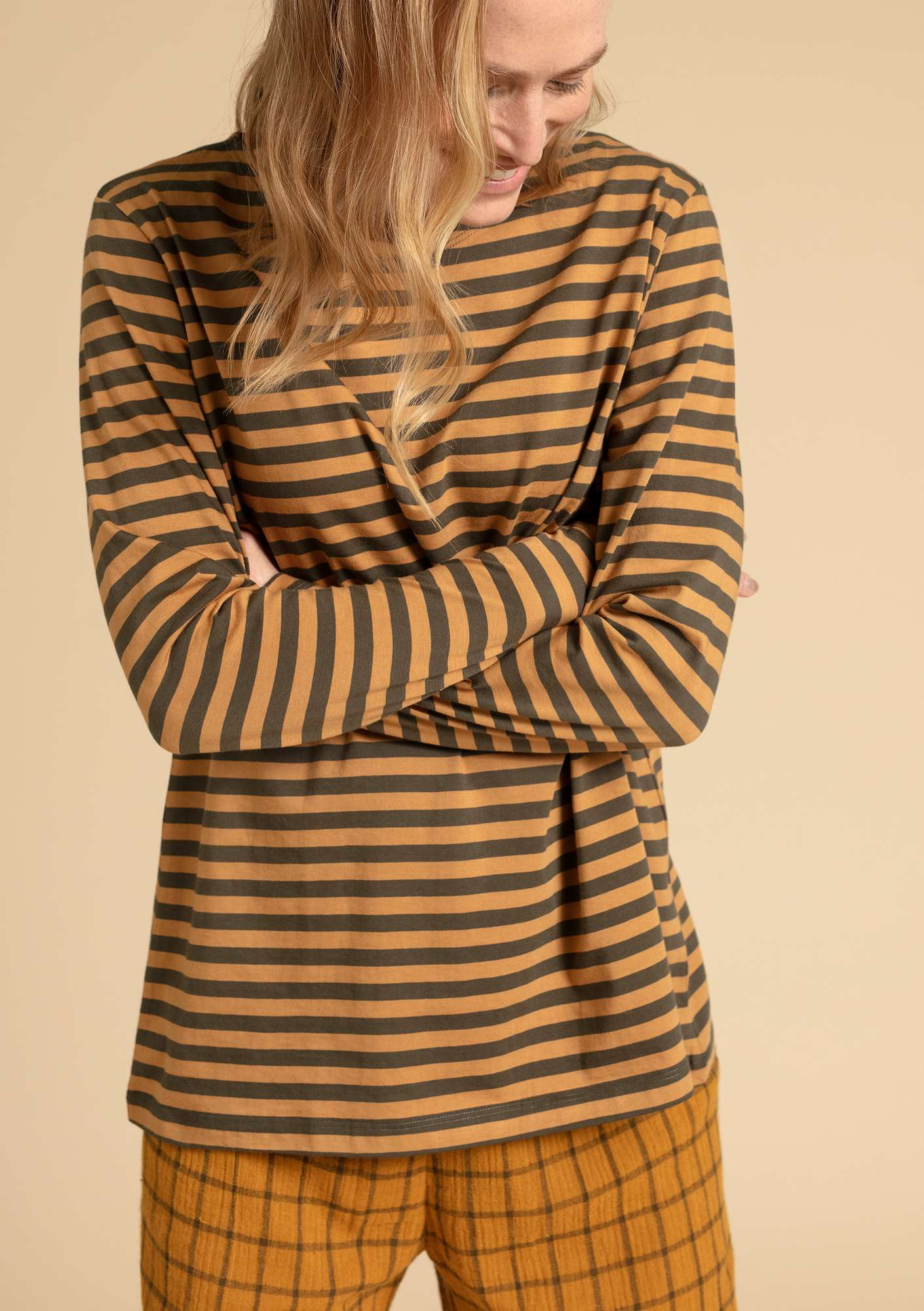 Basic striped shirt in organic cotton honey/hawthorn
