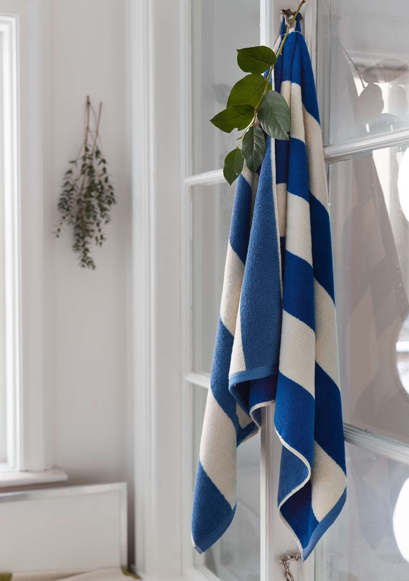 """Stråla"" organic cotton shower towel light indigo"