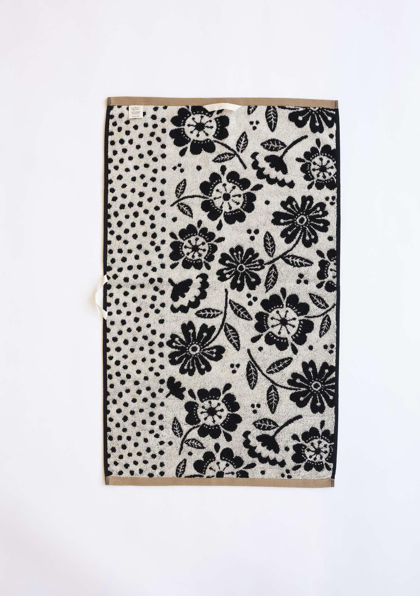 """Okinawa"" eco-cotton hand towel black"