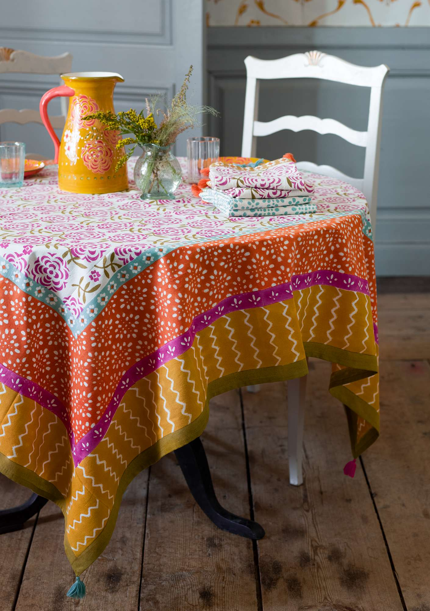 """Amita"" organic cotton tablecloth hibiscus"