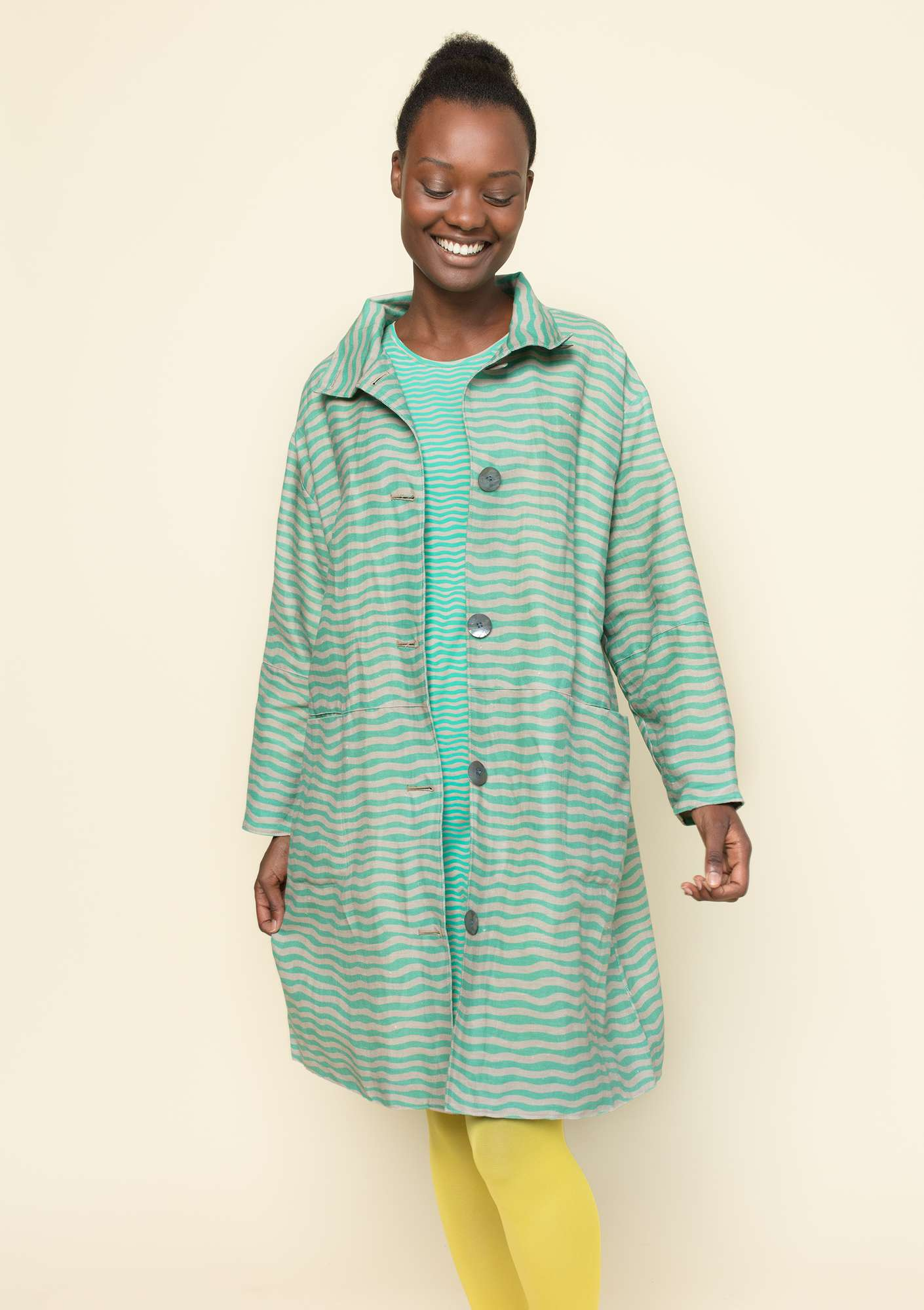 """Krusa"" coat in linen/organic cotton light oriental green"