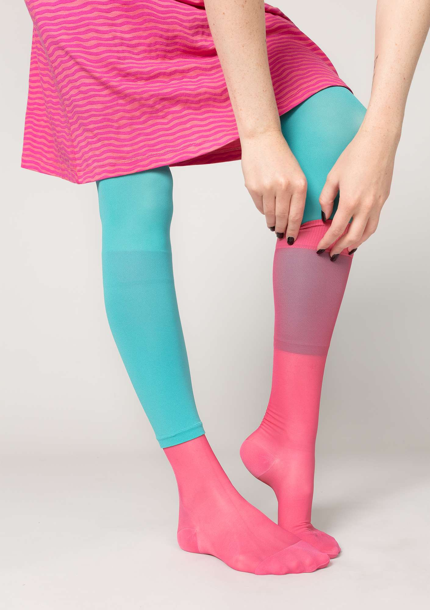 Support knee-highs in polyamide coral