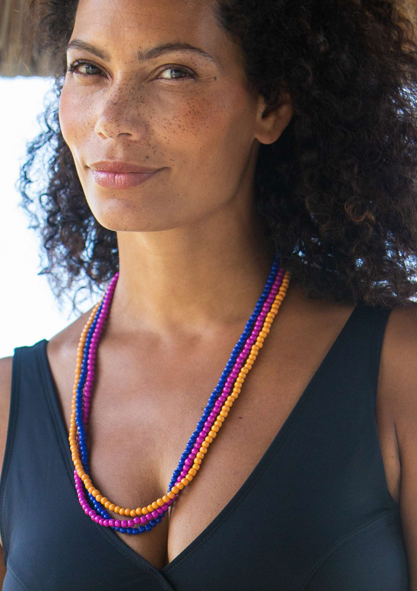Makeba necklace cerise